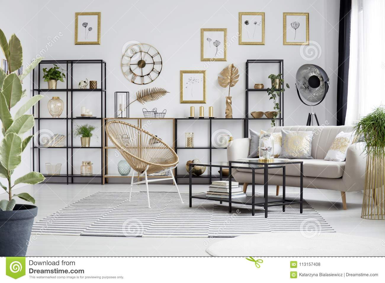 Gallery In Gold Living Room Stock Photo - Image of loft, decorative ...
