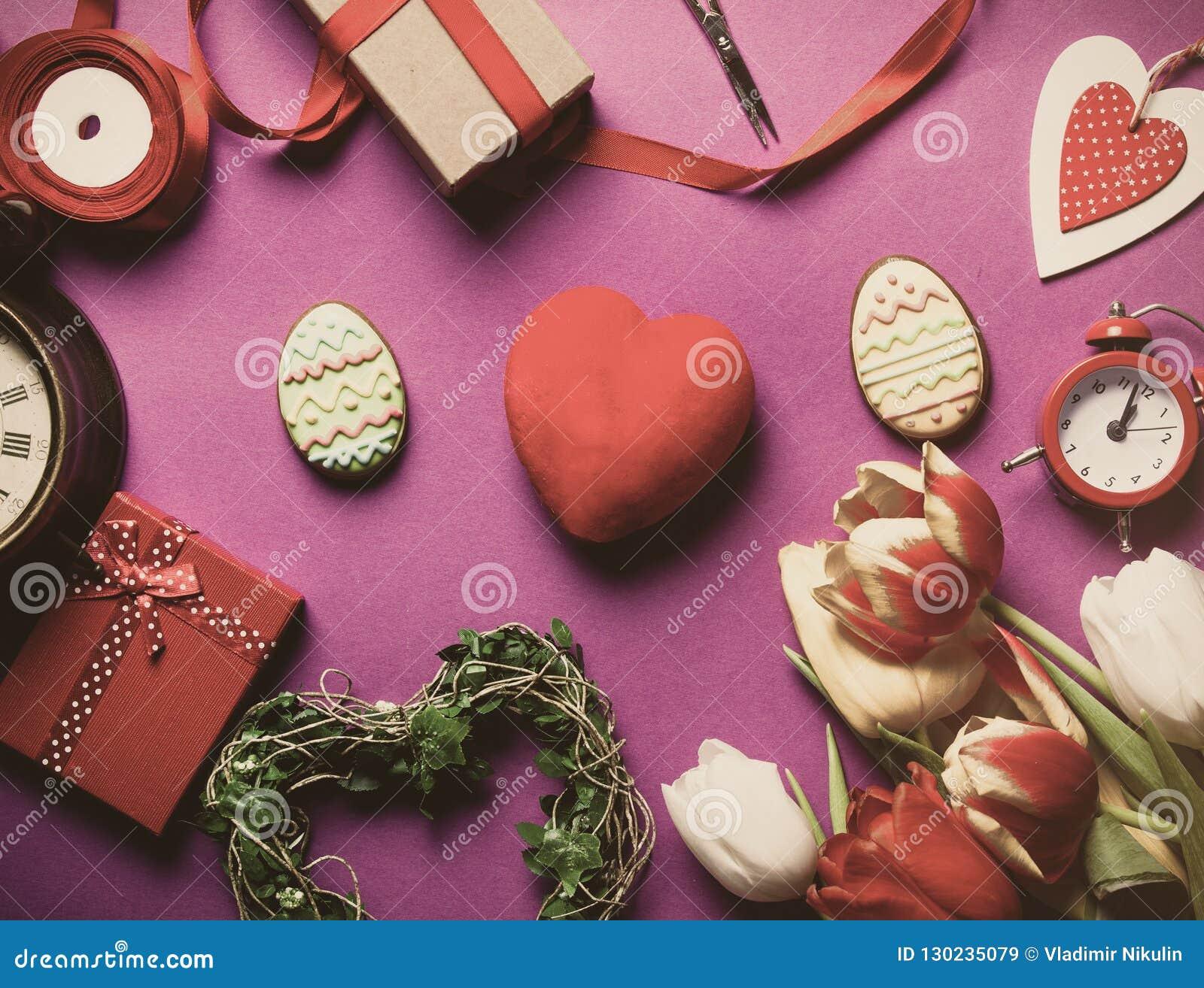 Galleta y regalos de Pascua