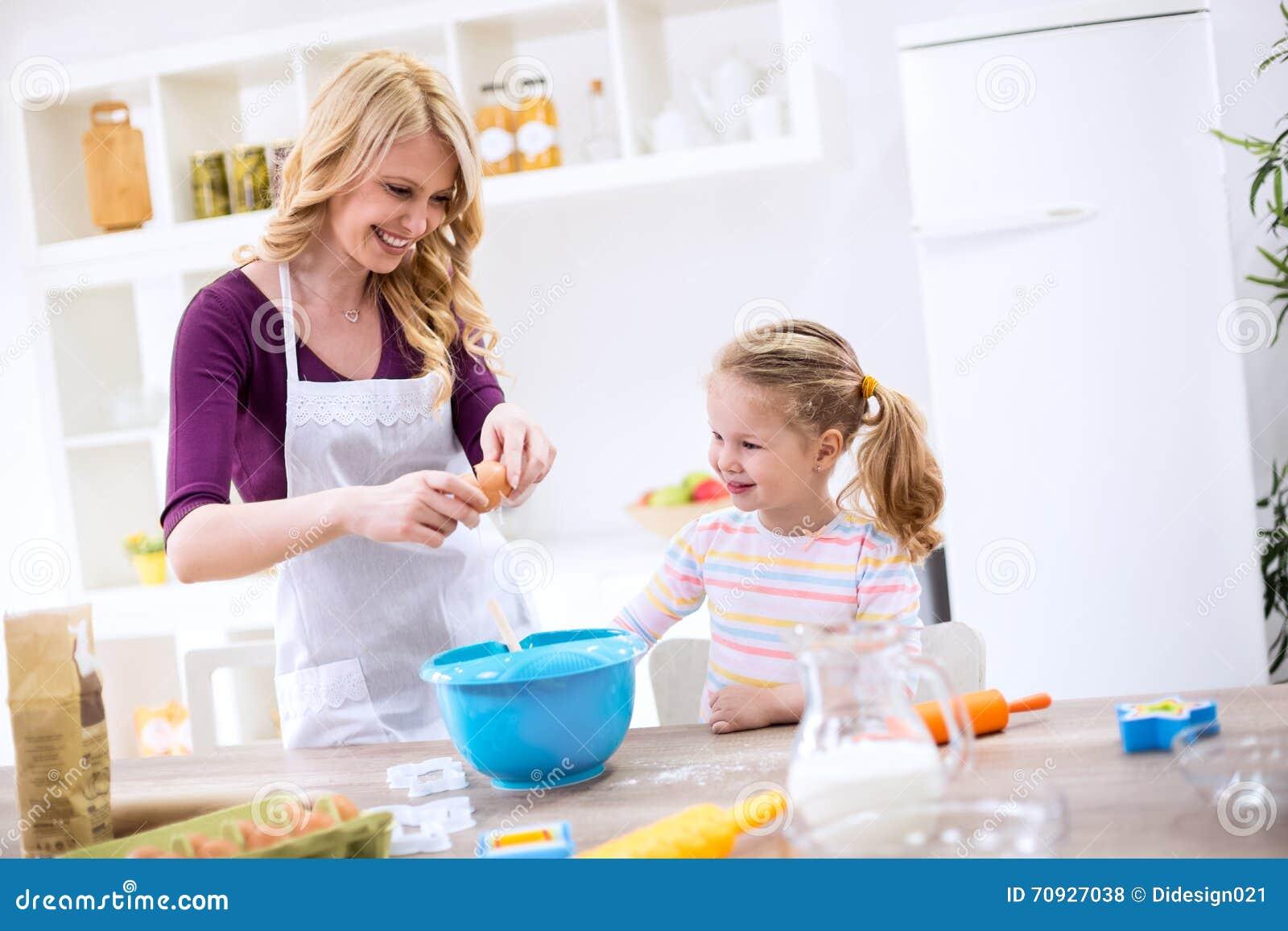 Galletas de la hornada de la madre y de la hija