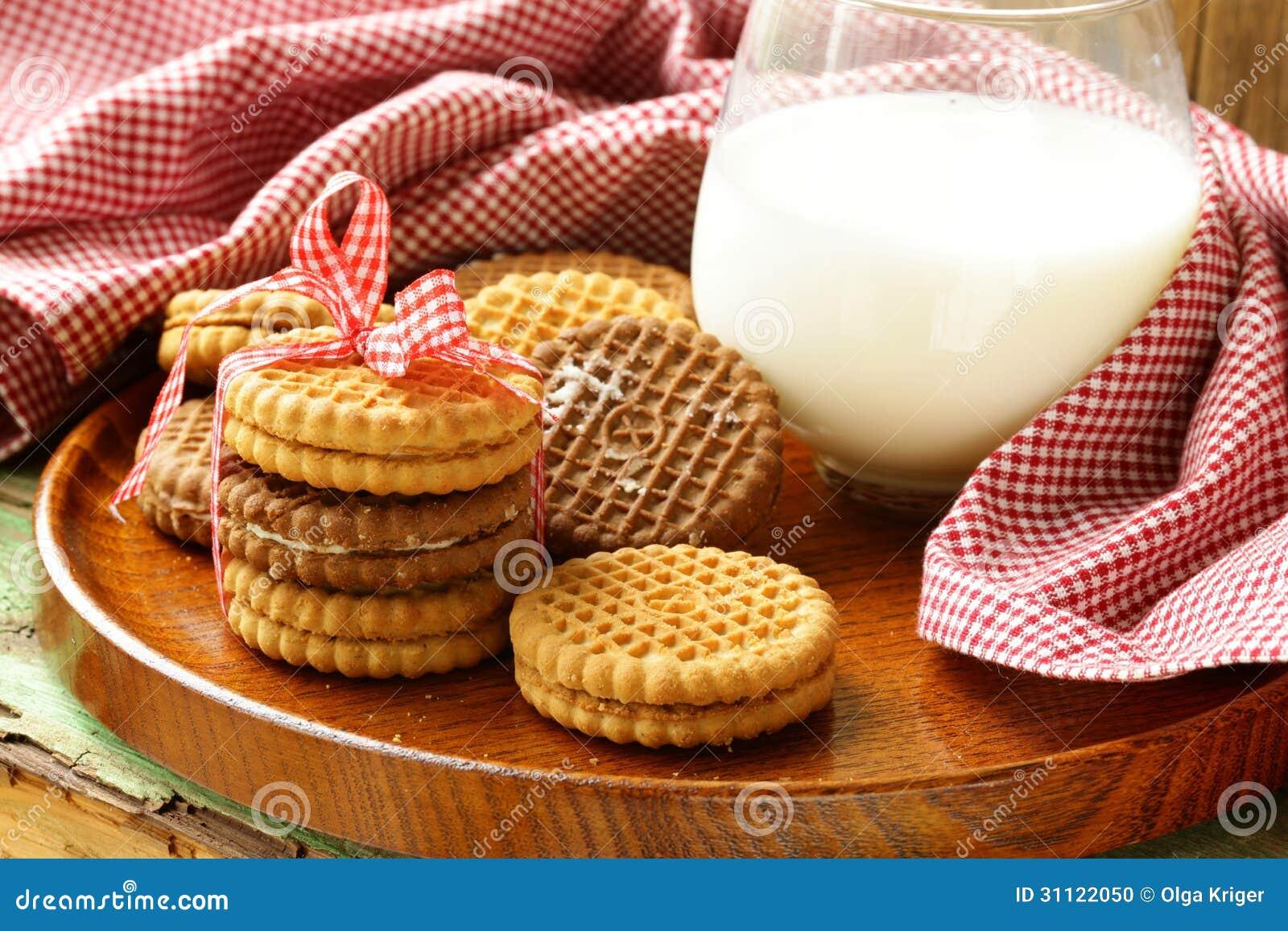 Galletas hechas en casa (bocadillo) con leche