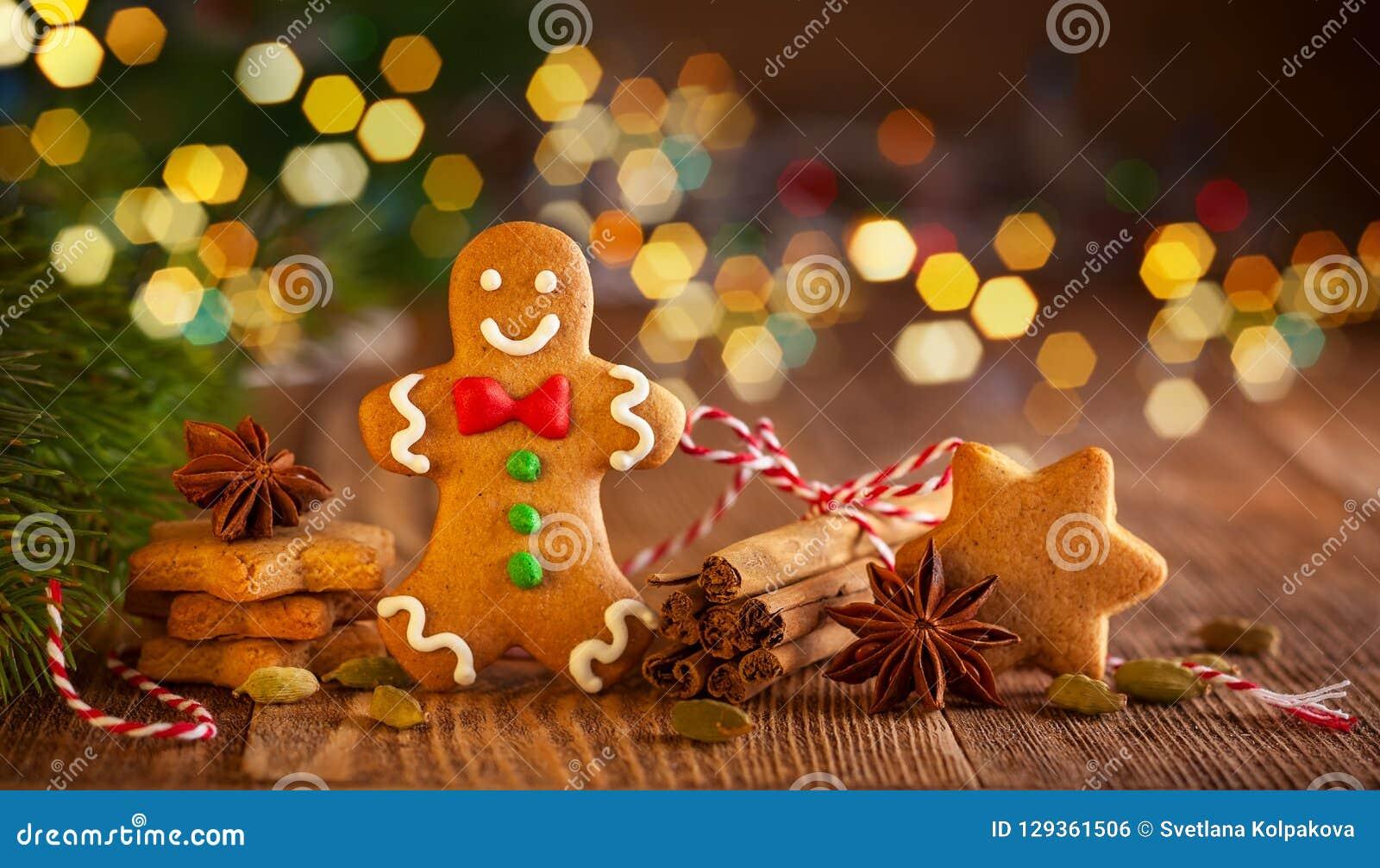 Galletas hechas en casa a del pan de jengibre de la Navidad