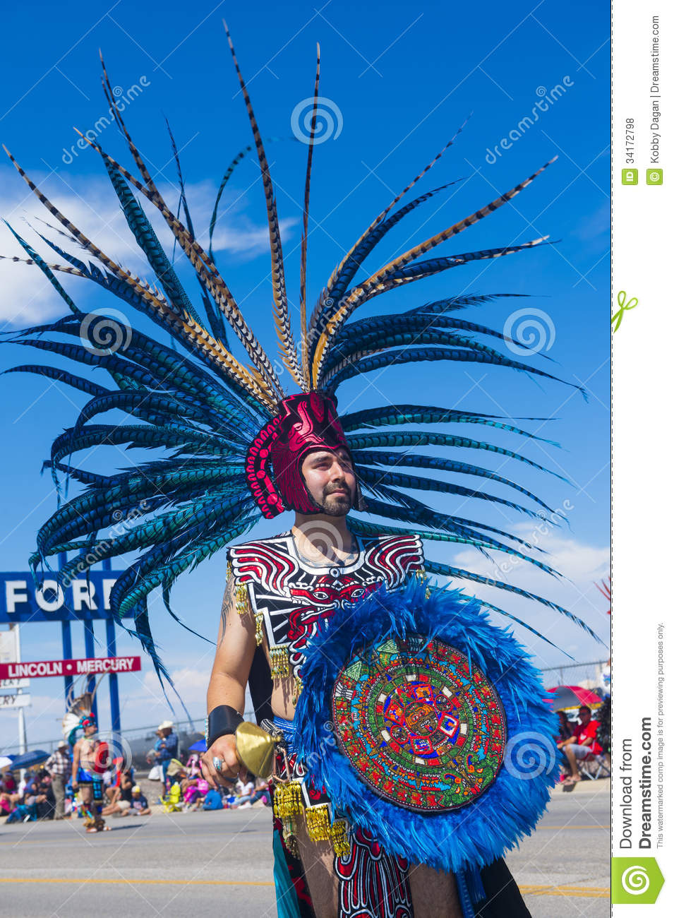 aztec tradition The aztec culture was the culture of the mexica people who migrated from the north and established their city-state in the region of central mexico the aztecs had a rich culture and religion which bore influence of various classical mesoamerican civilisations.