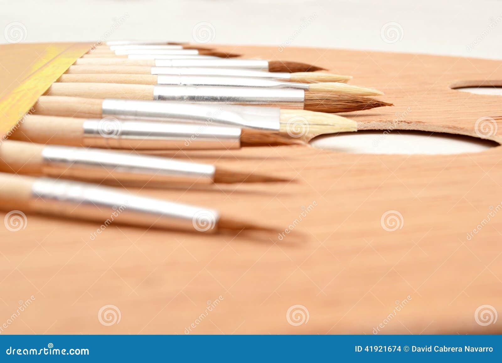Gama de colores y cepillos