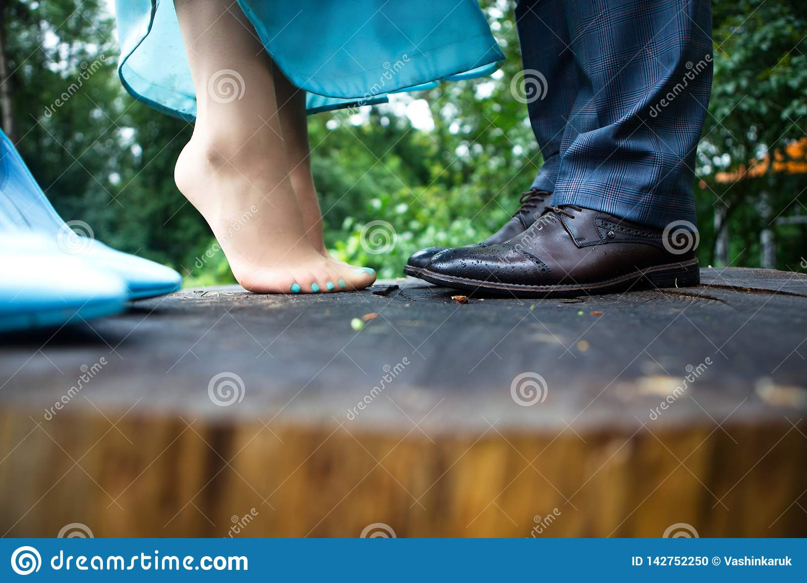 Gambe della donna e dell uomo