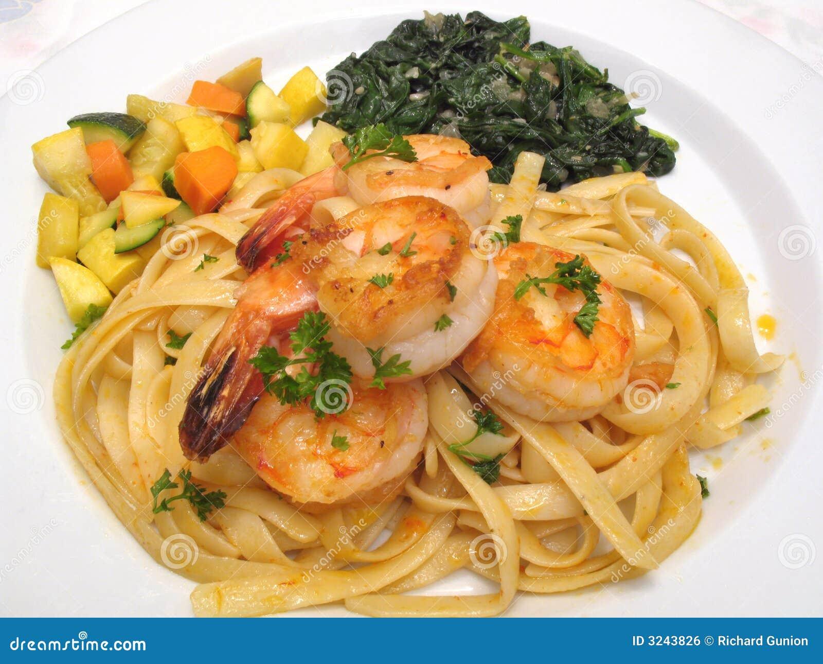 Gambero, pasta e verdure