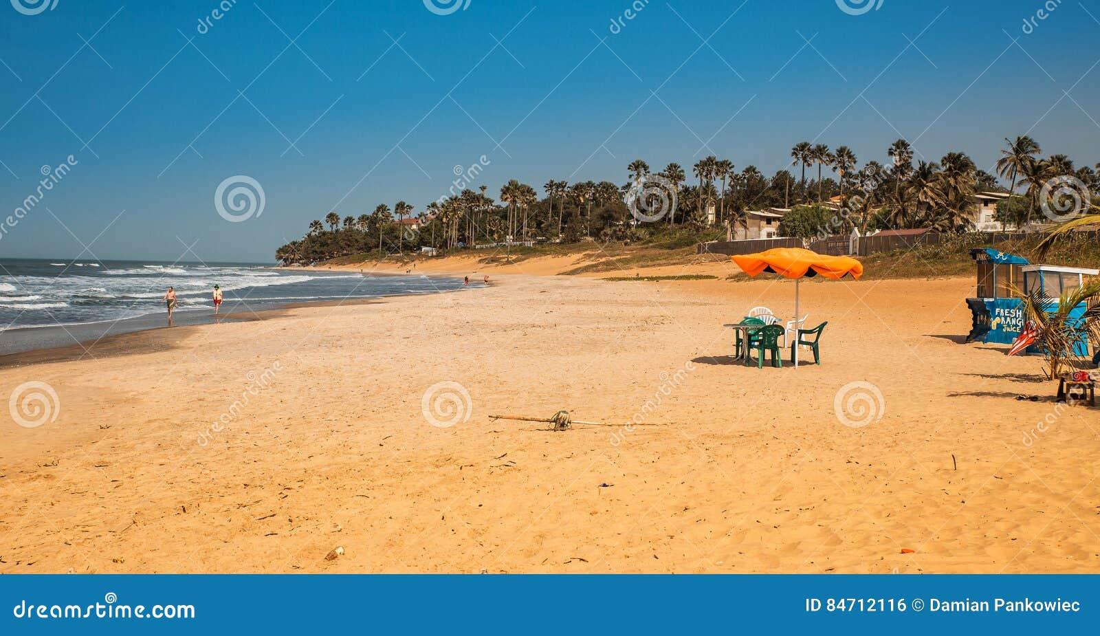 Gambia van West-Afrika - Paradijsstrand met gouden