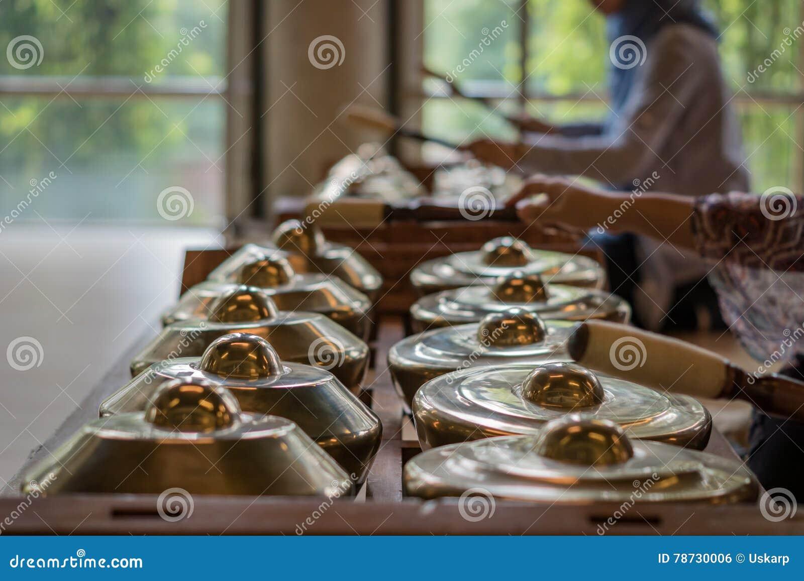 Gamelan traditionella musikinstrument i Indonesien