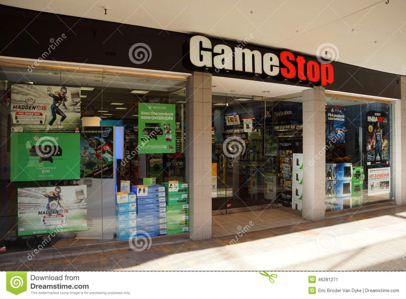 gamestop store in ala moana shopping center editorial photo image 46281271. Black Bedroom Furniture Sets. Home Design Ideas