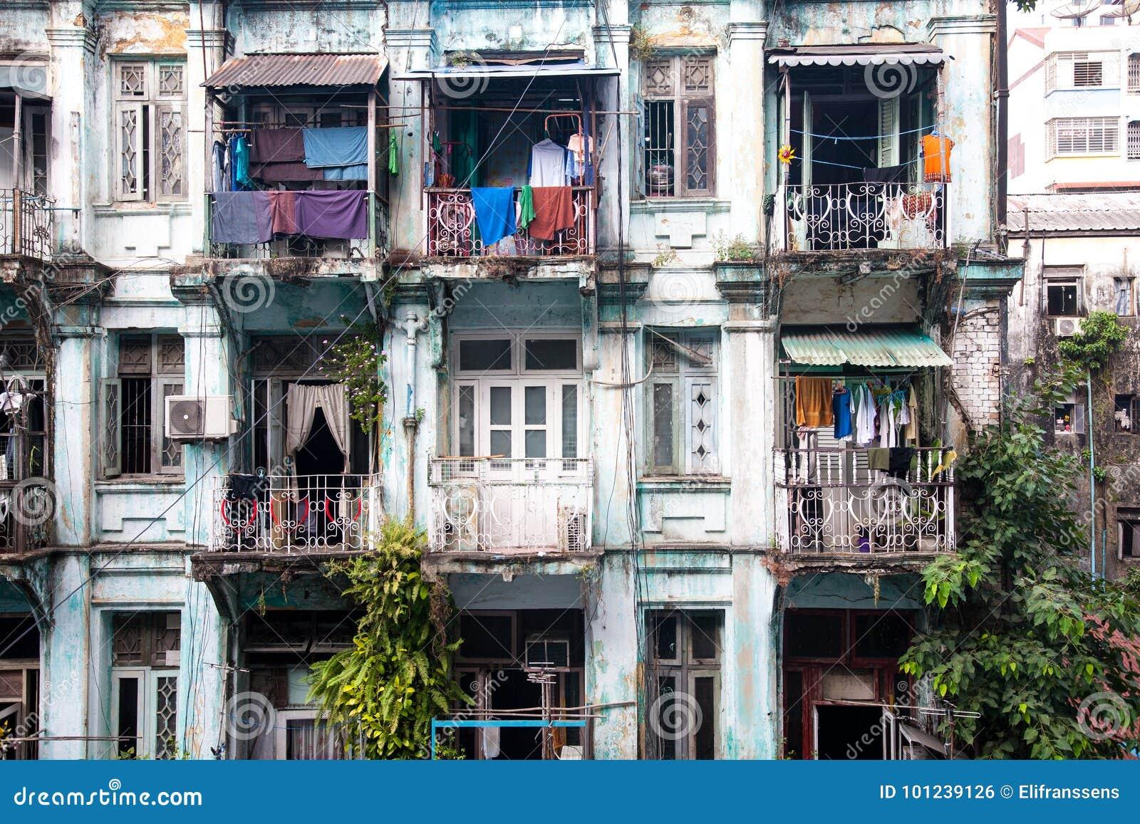 Gamla lägenheter, Yangon, Burma