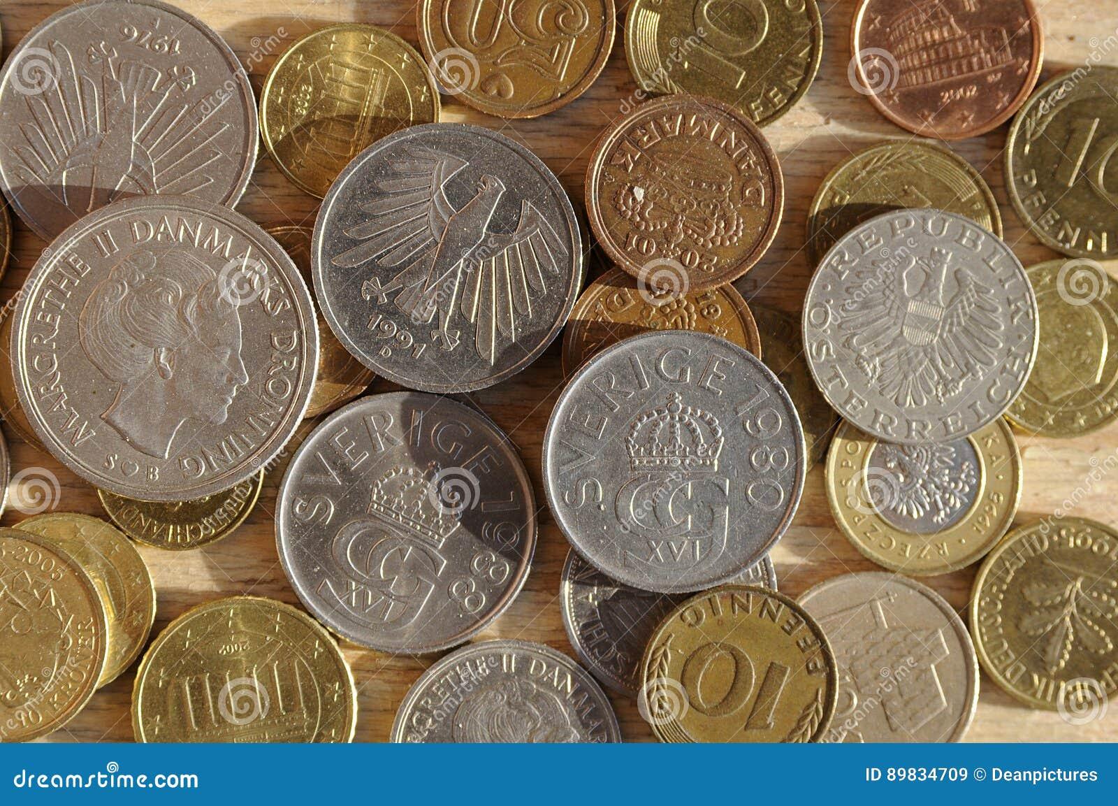 Gamla Mynt Från Nordiskt Och österrike Och Tysk Och Brittisk Schelli