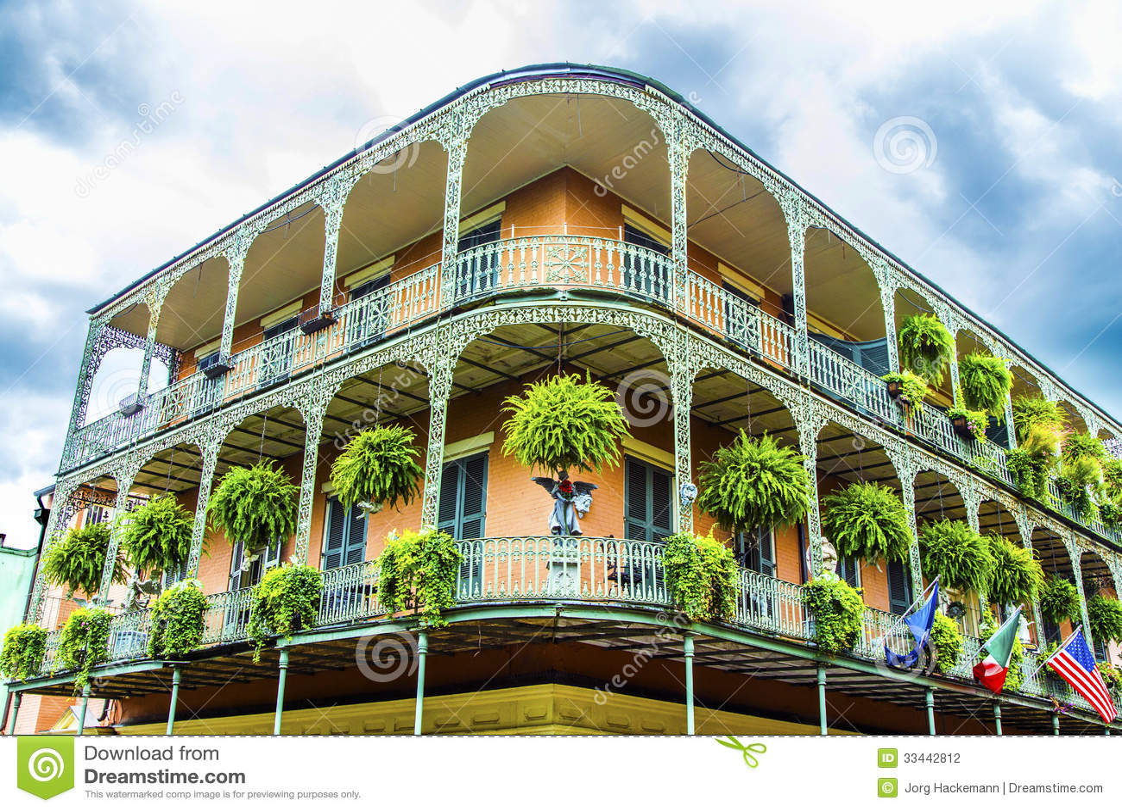 Gamla New Orleans hus i franskt