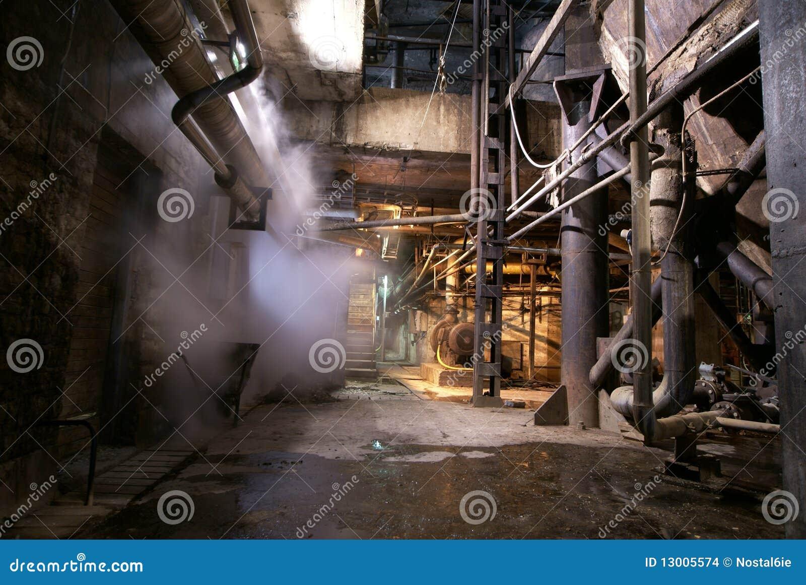 Gammal övergiven fabrik
