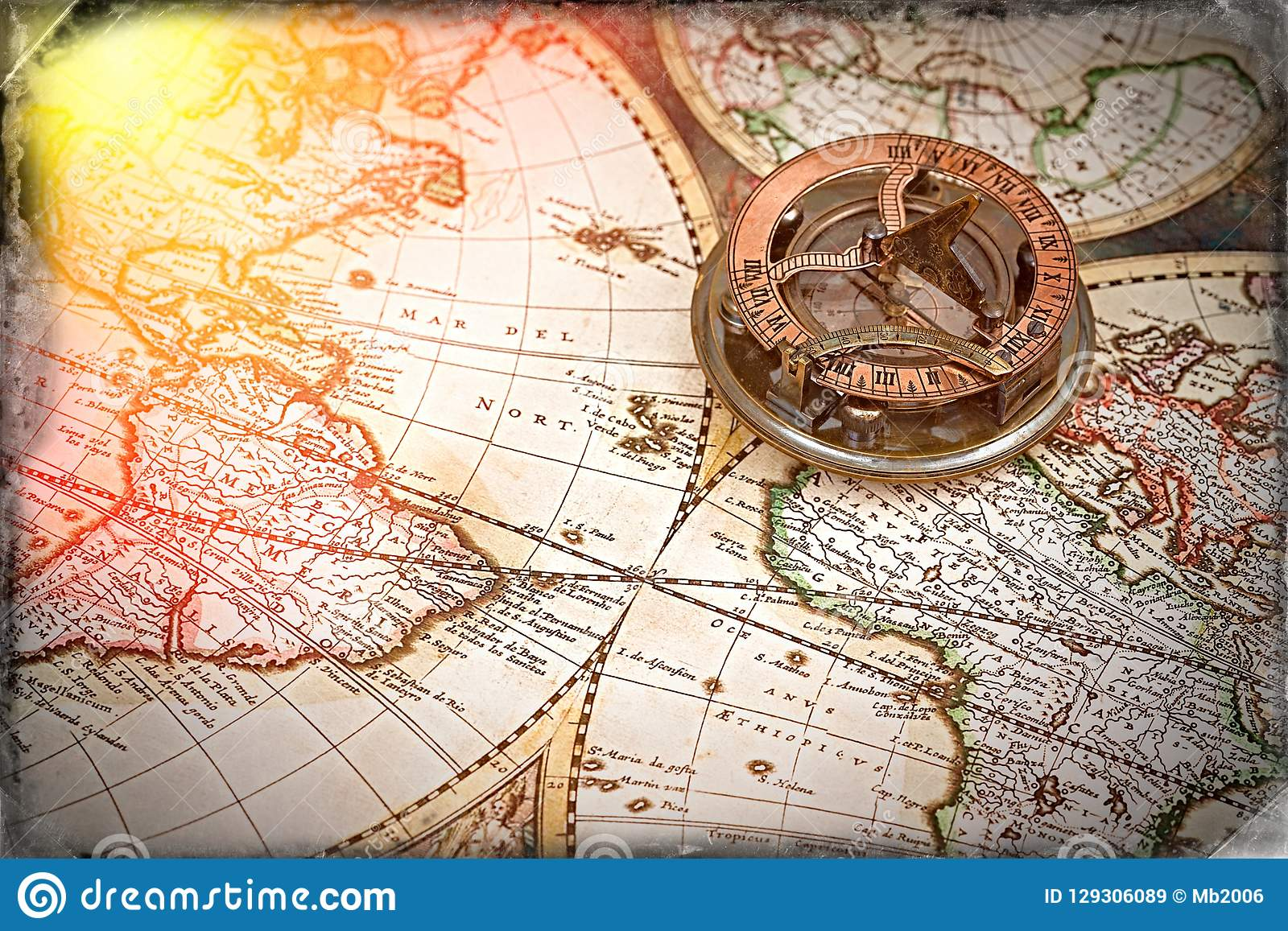 Gammal översikt, kompass, navigering och geografi