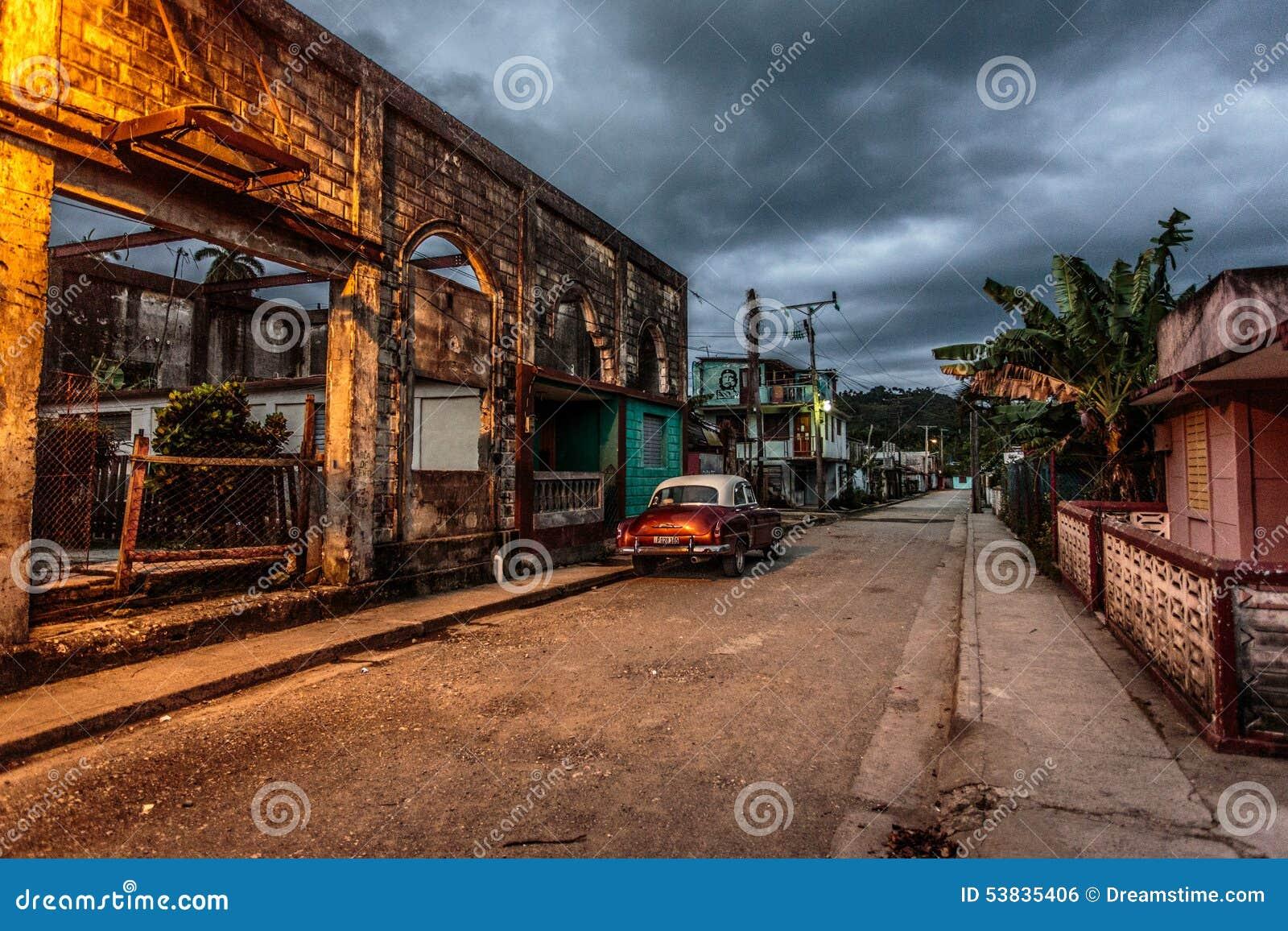 Gammal bil i gamla Kuba