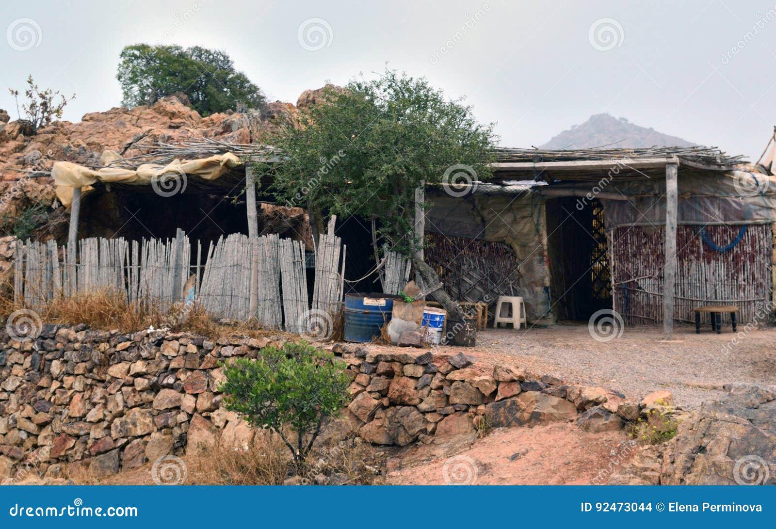 Gammal boning av den infödda befolkningen av Marocko - Berbers