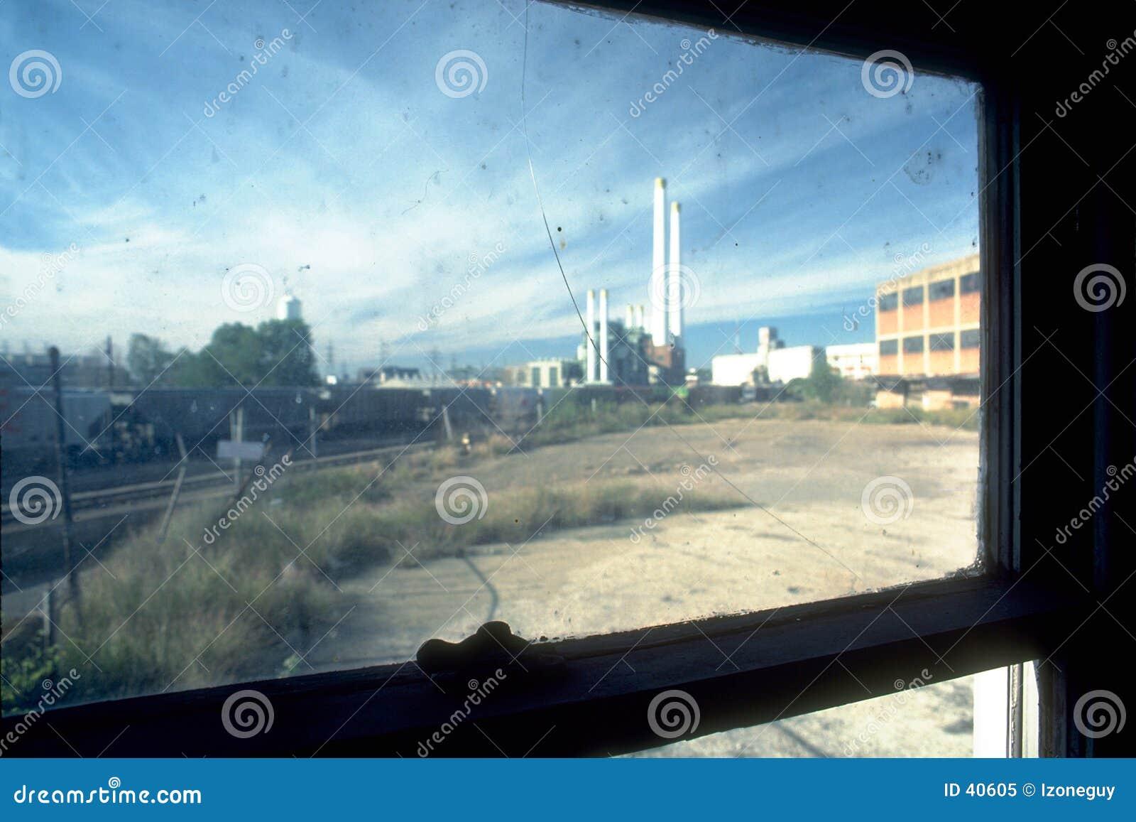 Gammal fabrik