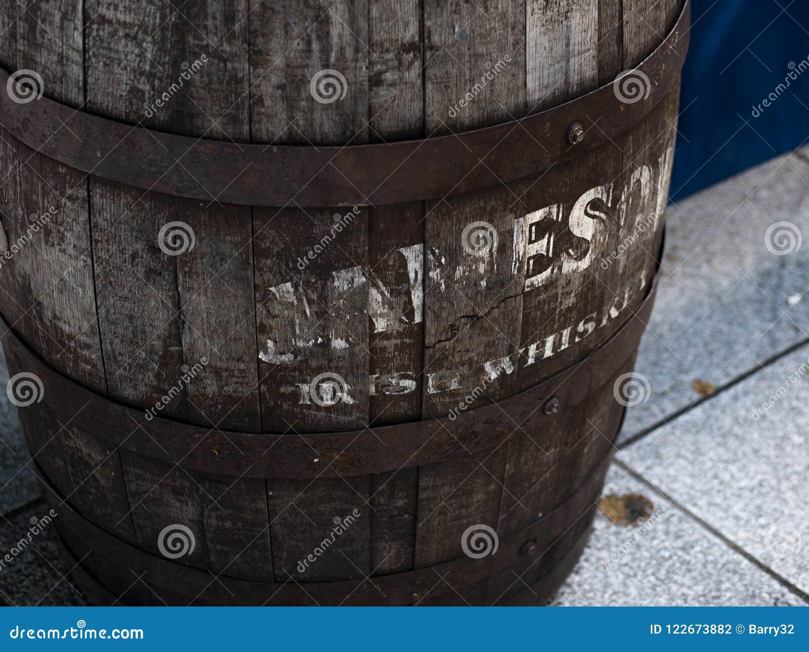 Gammal Jameson Irish Whisky trumma i Dublin, Irland