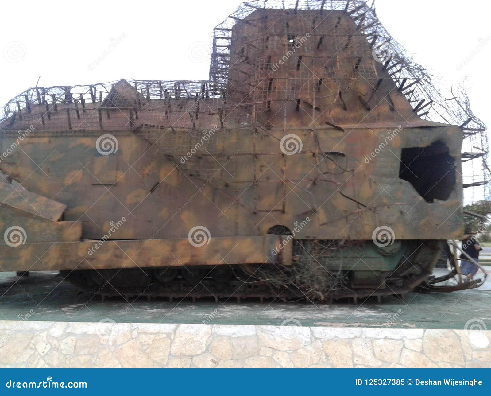 Gammal militär behållare i Sri Lanka