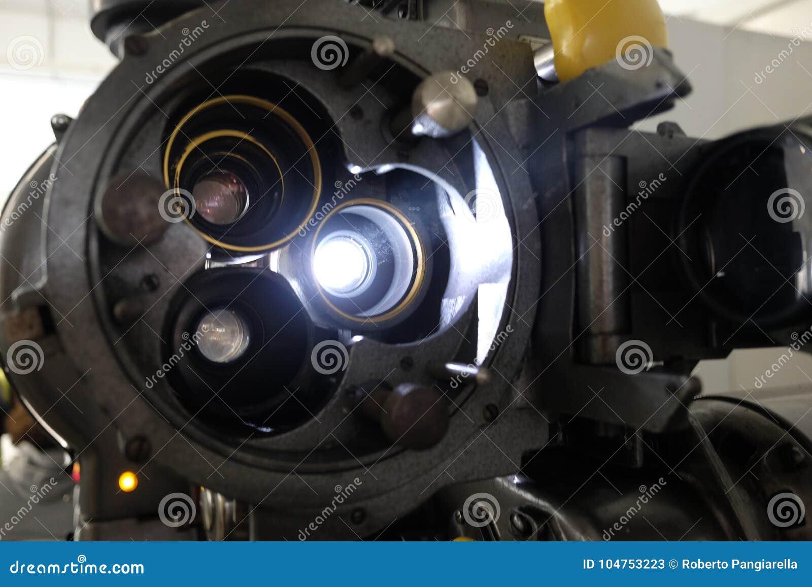 Gammal projektor för film