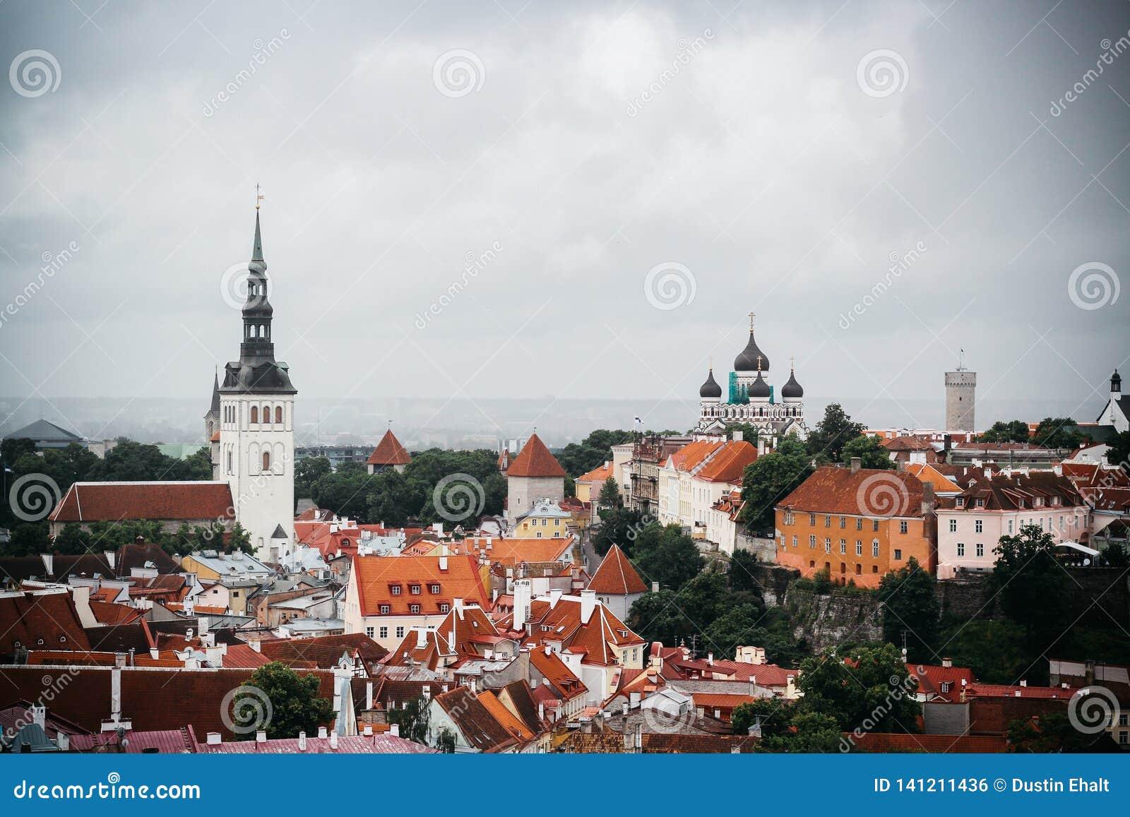 Gammal stad i Estland från en synvinkel