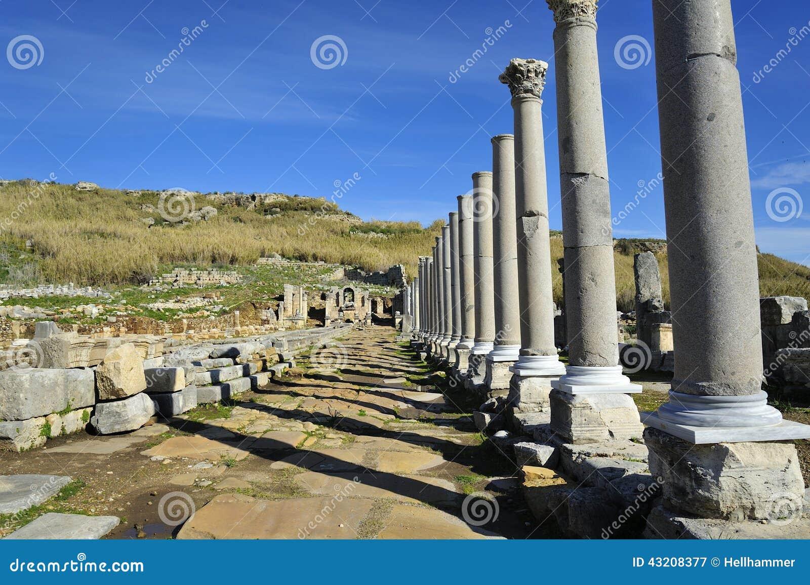 Download Gammal stad Perga, Turkiet fotografering för bildbyråer. Bild av stad - 43208377