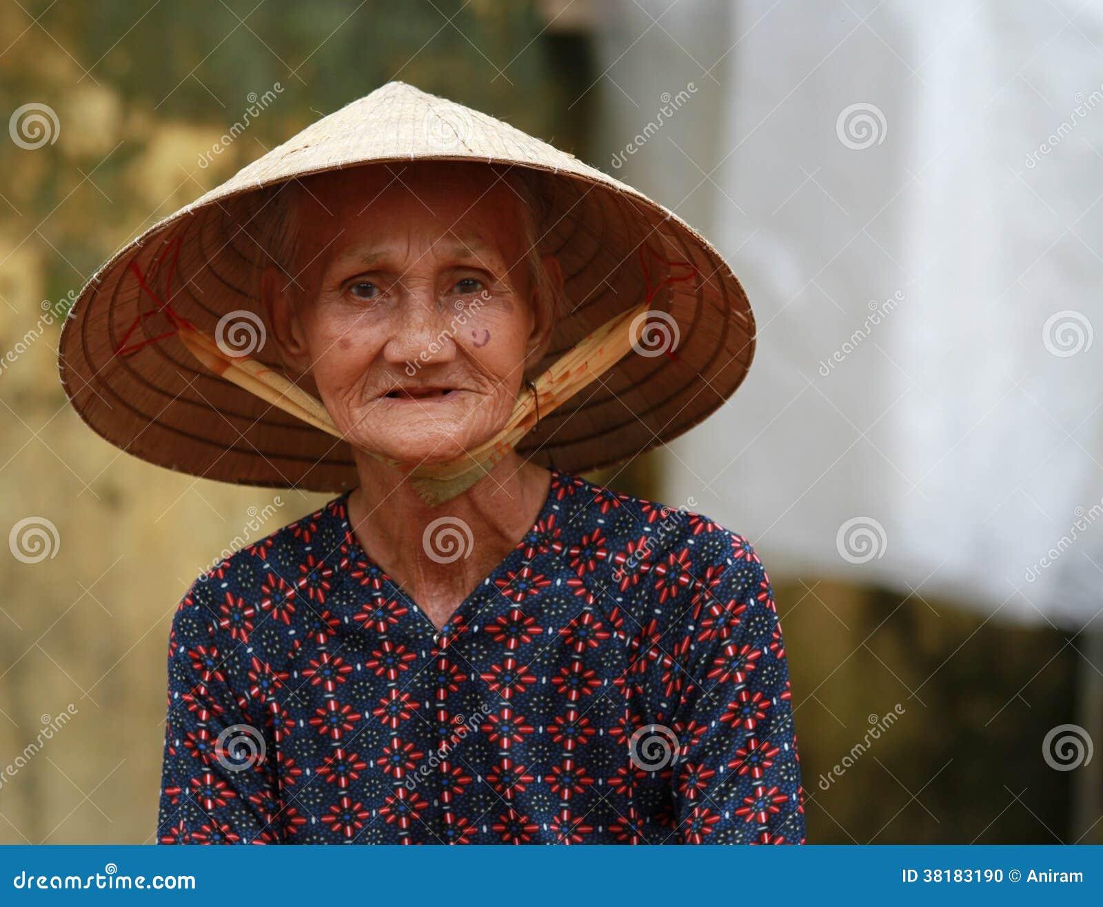 Gammal vietnamesisk kvinna