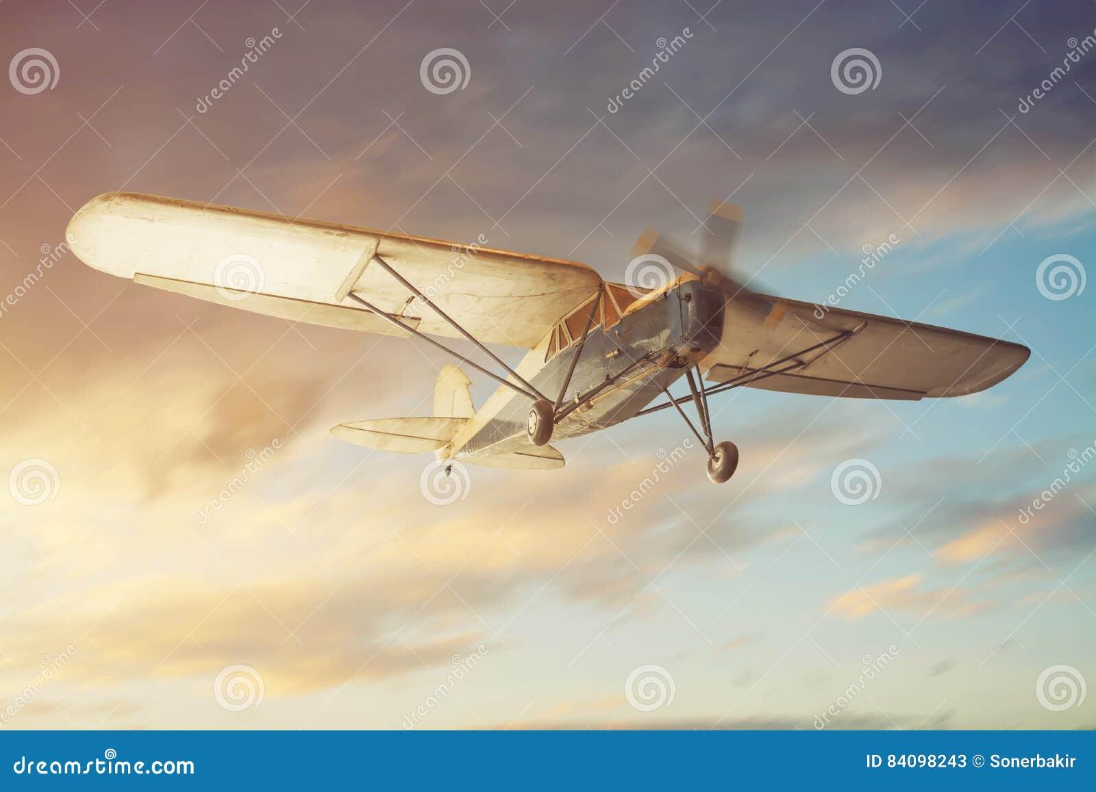 Gammalt klassiskt flygplan