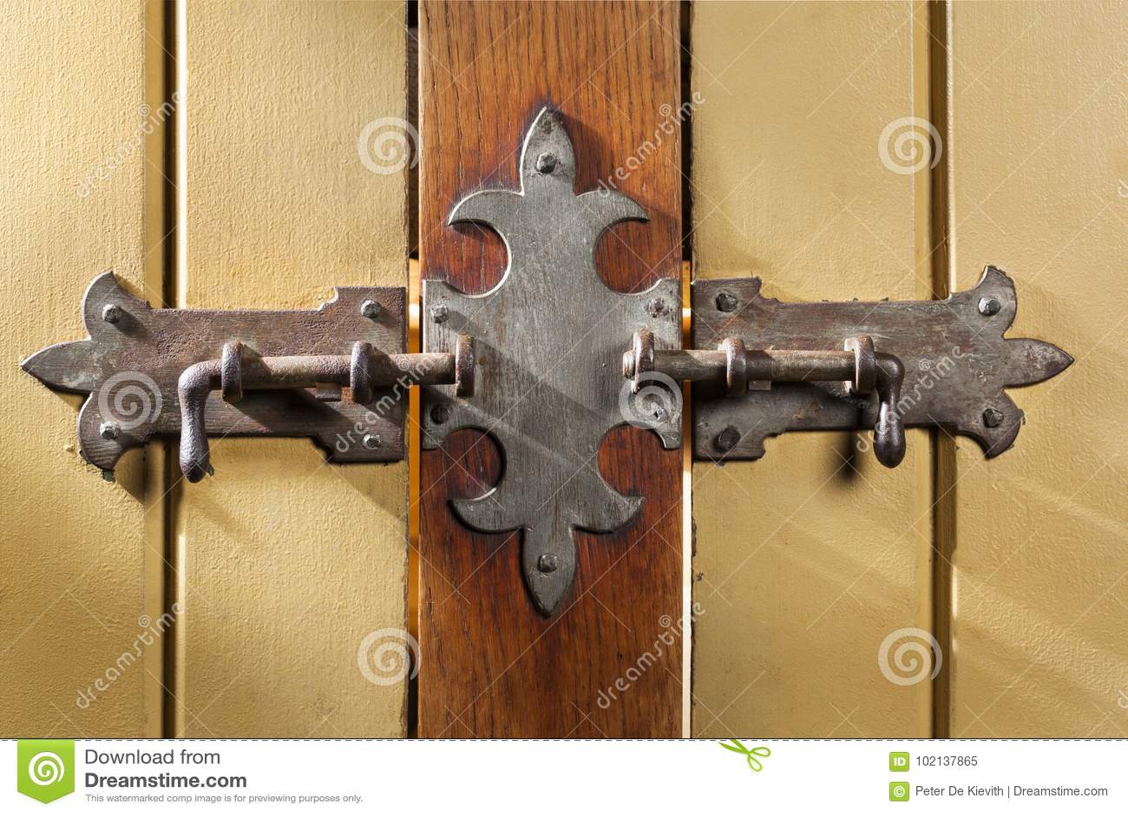 Gammalt klassiskt lås