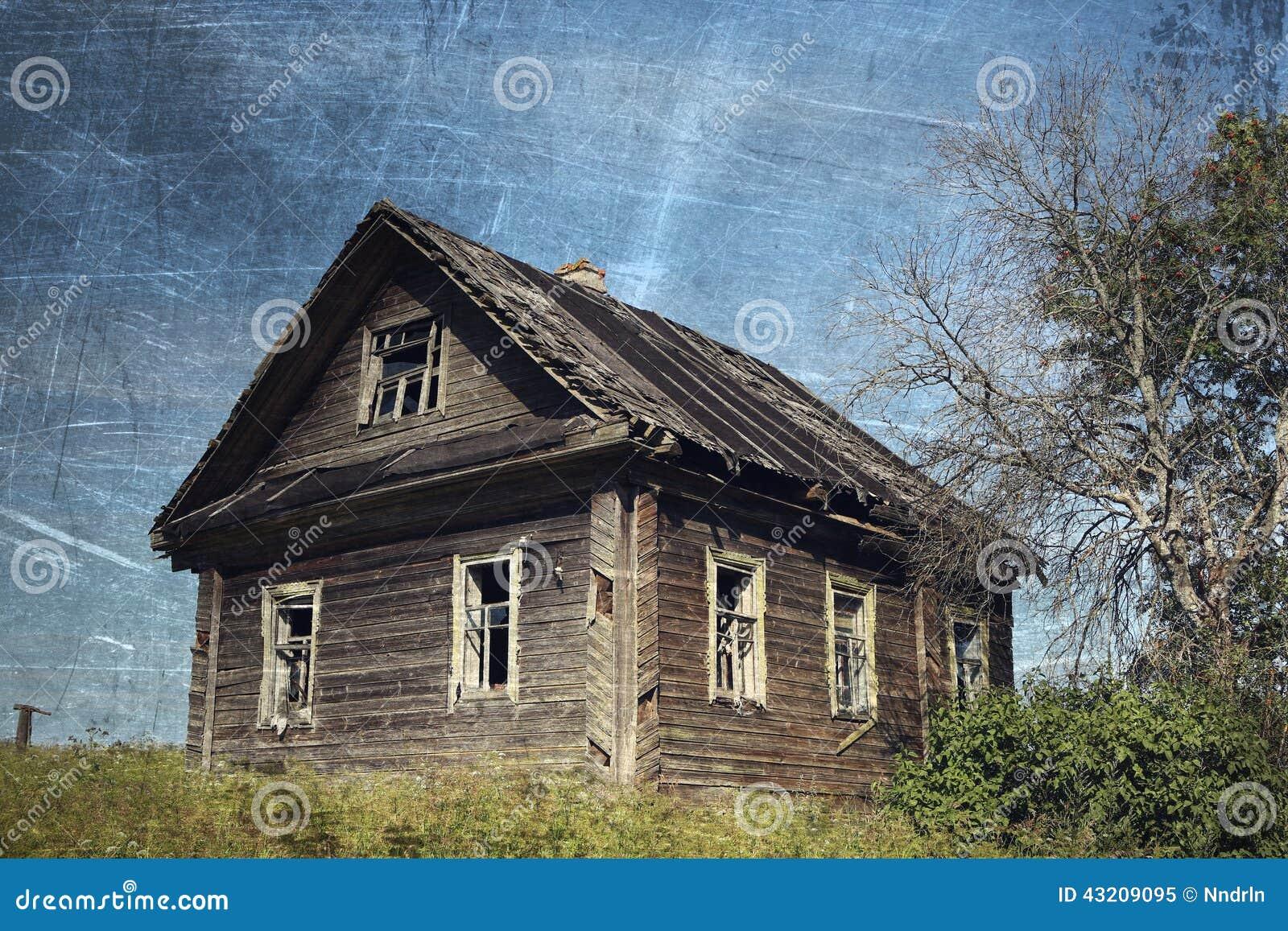 Download Gammalt lantligt för hus fotografering för bildbyråer. Bild av överge - 43209095