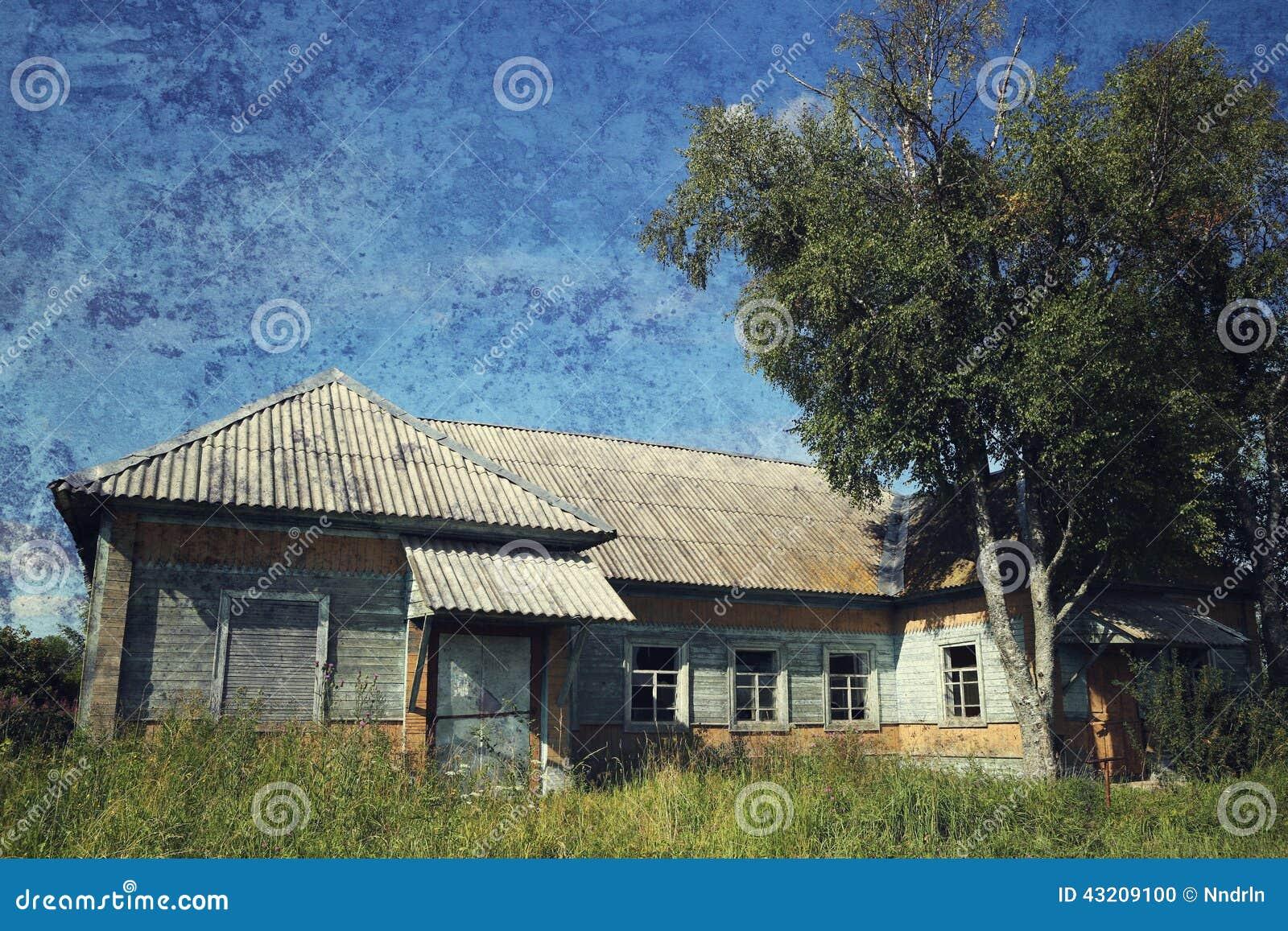 Download Gammalt lantligt för hus arkivfoto. Bild av igen, skrapa - 43209100