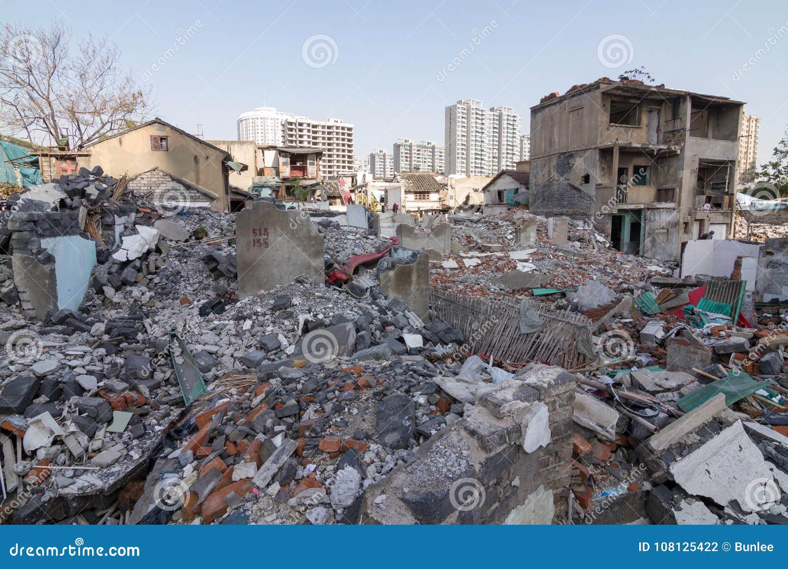 Gammalt område som bygger bruten down för nybyggnad