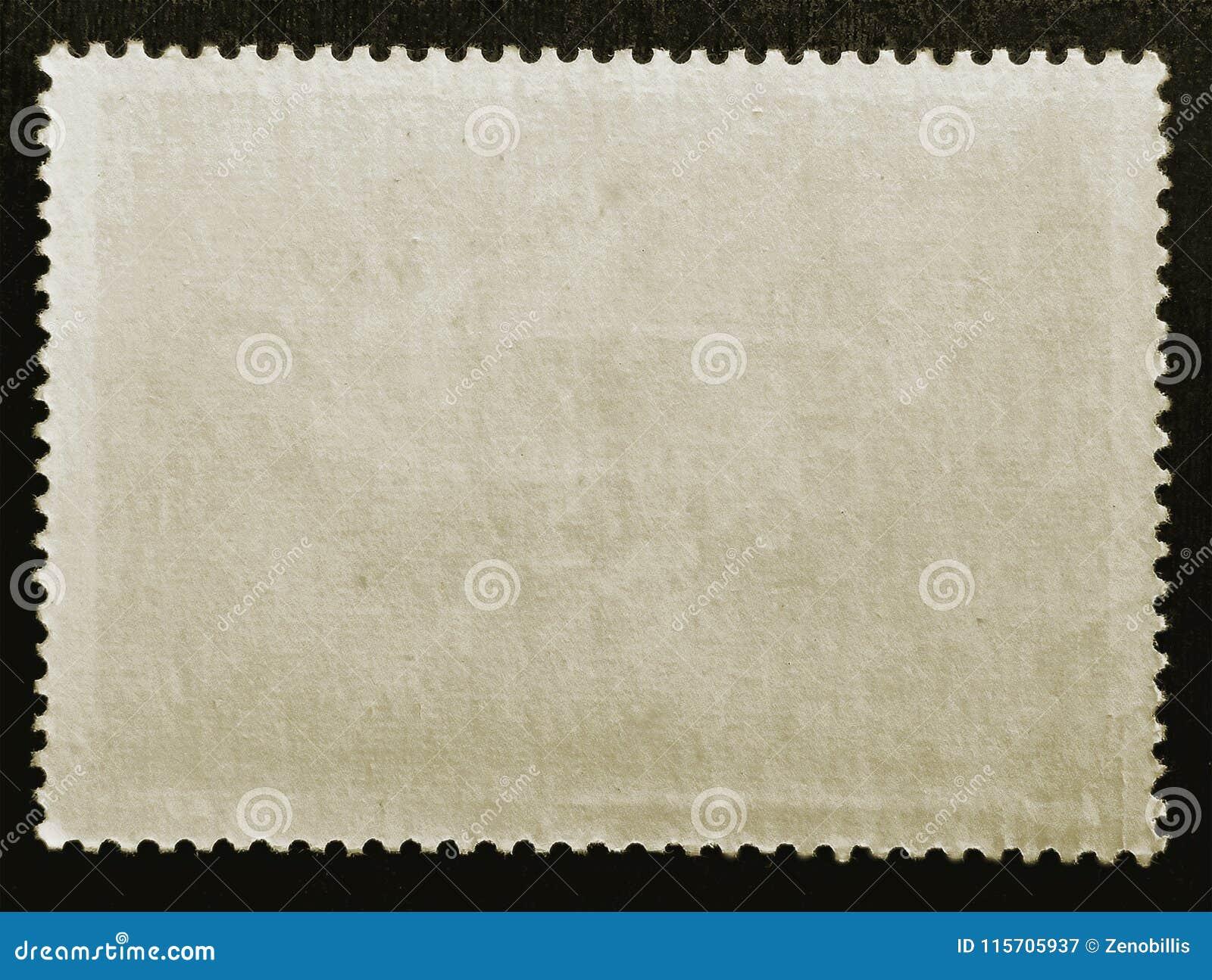 Gammalt sida för stämpel för grungetextur som papper postad omvänd isoleras på svart bakgrund close upp kopiera avstånd