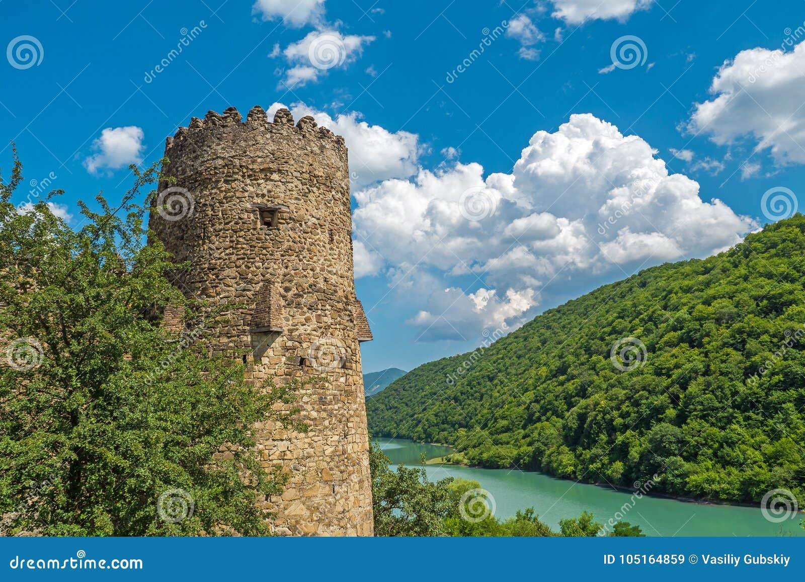 Gammalt torn av fästningen