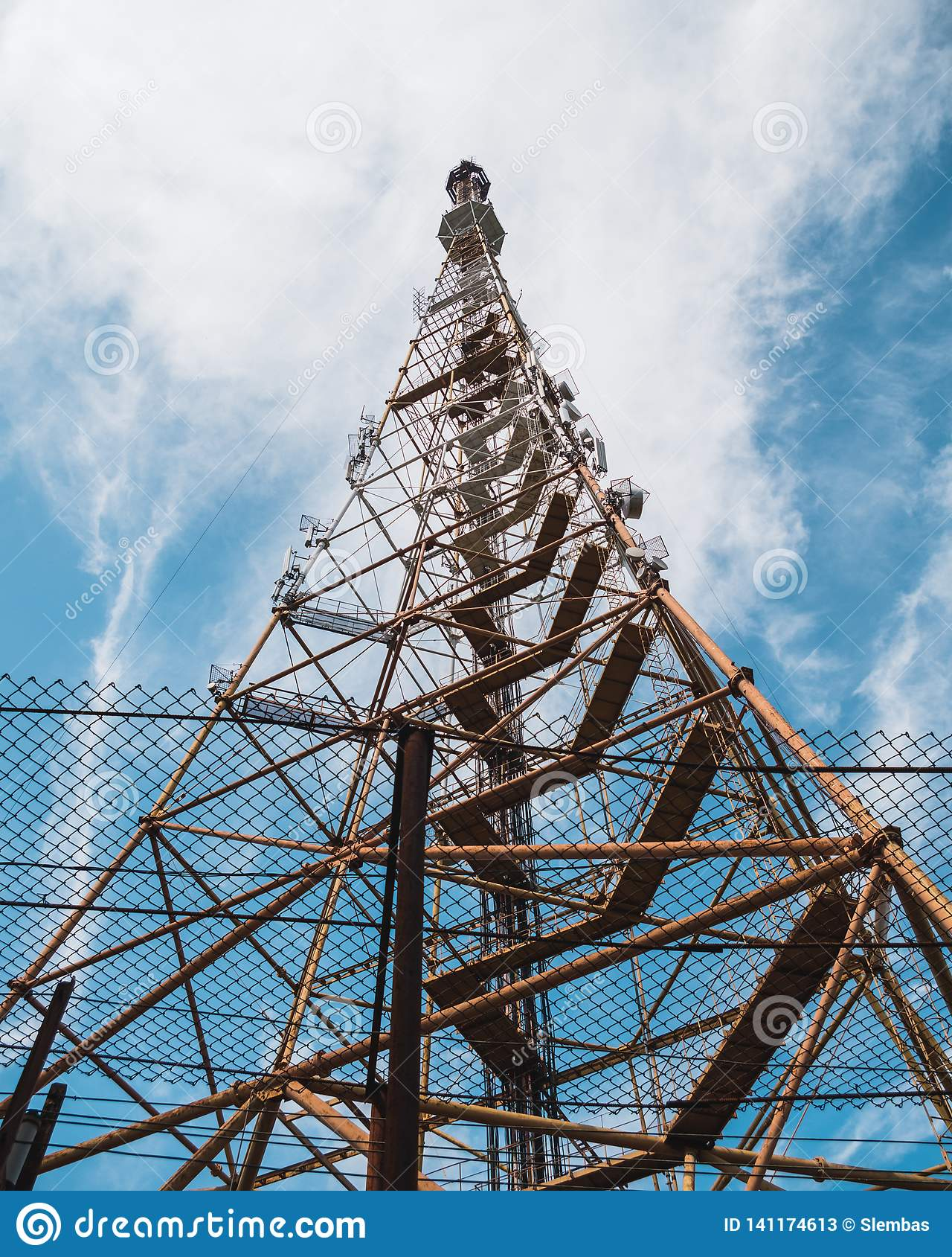 Gammalt TVradiotorn