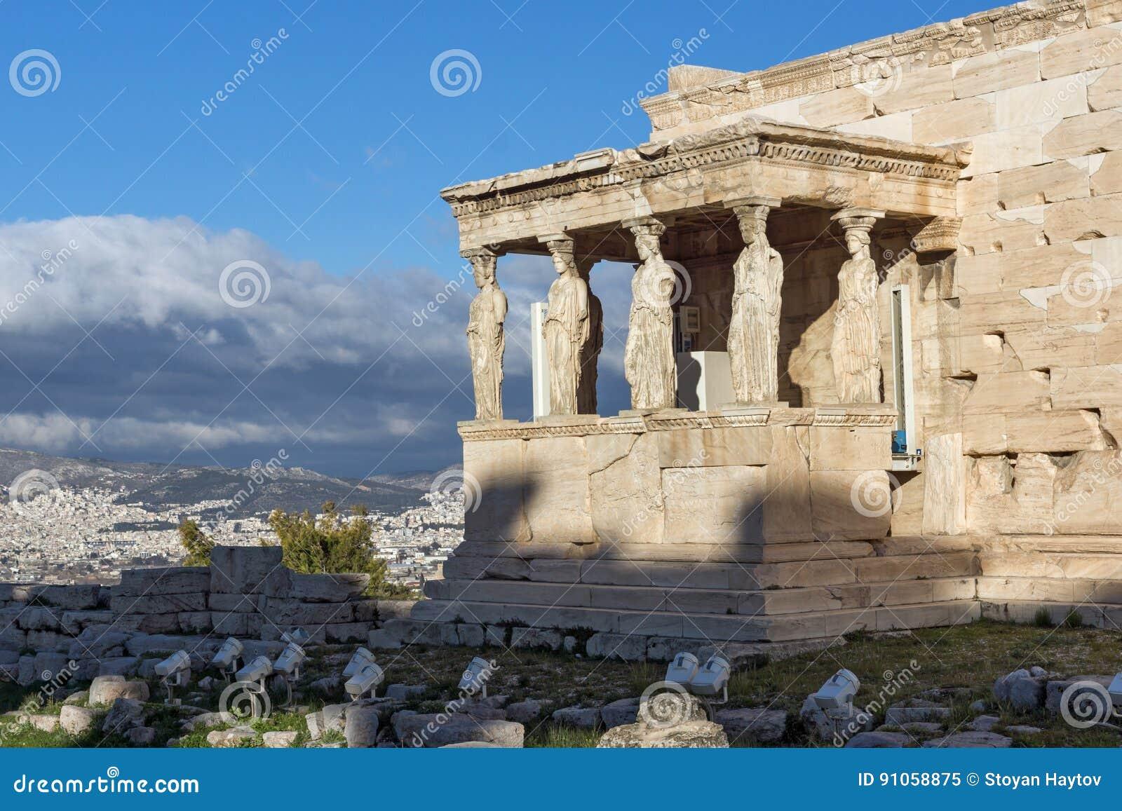 Ganeczek kariatydy w Erechtheion starożytny grek świątynia na północnej stronie akropol Ateny, Grecja