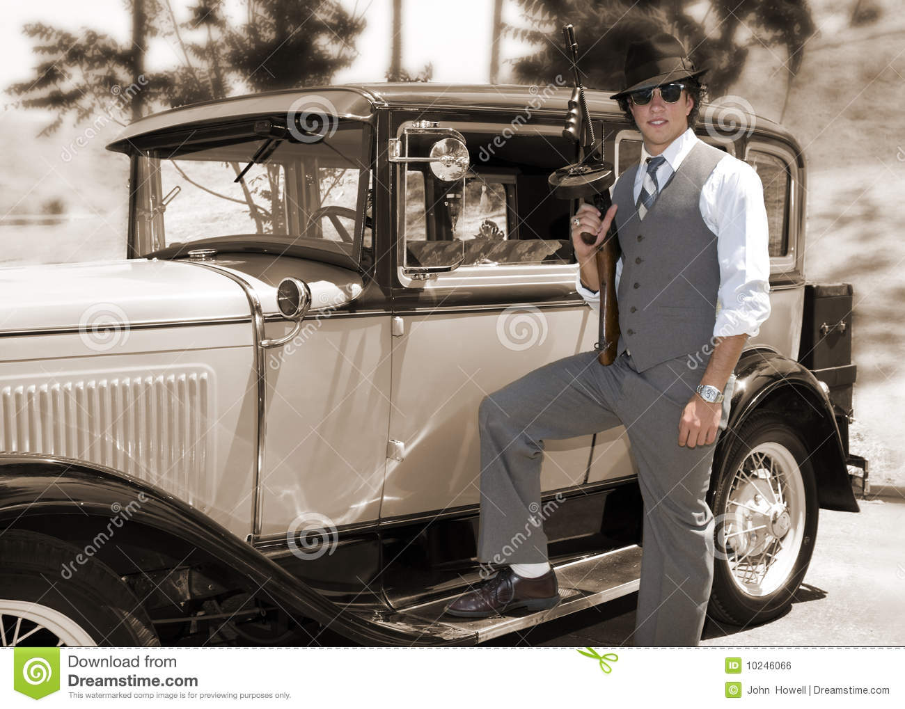 Gangster With Gun And Old Car Stock Photo - Image of firearm ...
