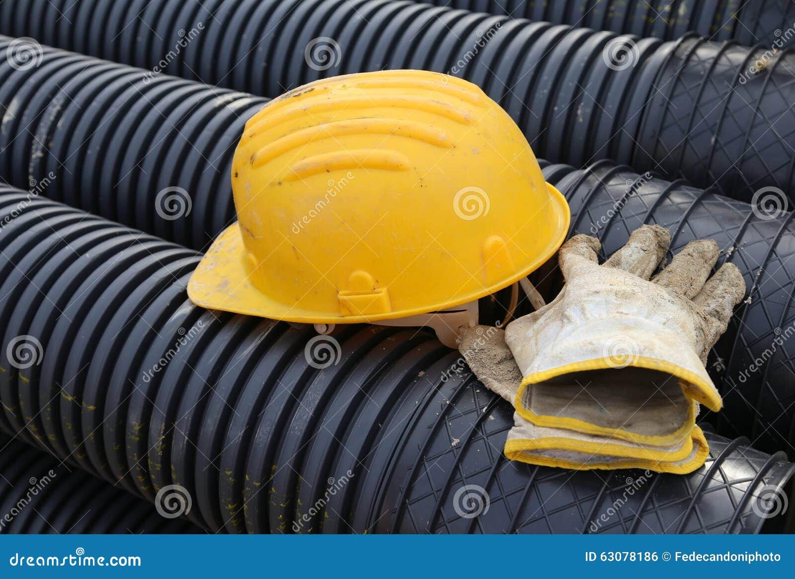Download Gants De Casque Antichoc Et De Travail Dans Le Chantier De Construction Photo stock - Image du protection, garantie: 63078186