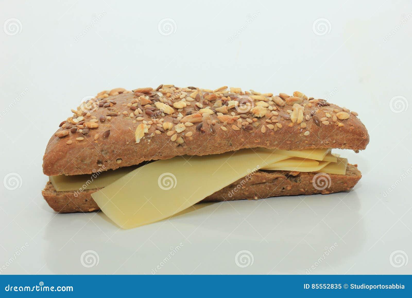 Ganzes Kornkäsesandwich