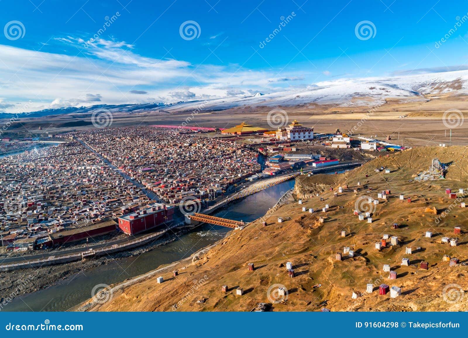 Gar Yarchen, гигантский тибетский монастырь Kham