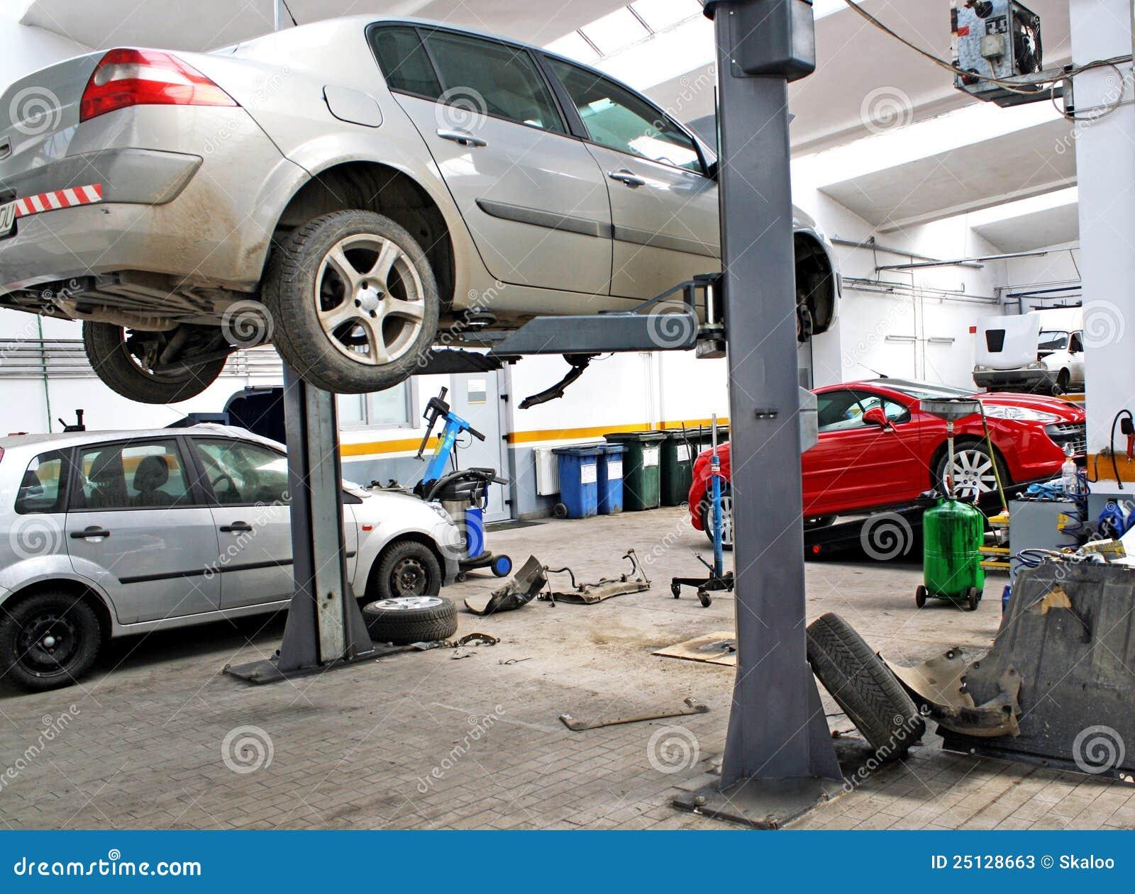 Garage automobile de service photos stock image 25128663 for Gestion garage automobile