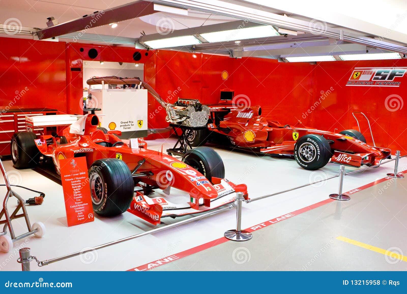 Garage d 39 quipe ferrari de la formule 1 photo stock for Garage formule m