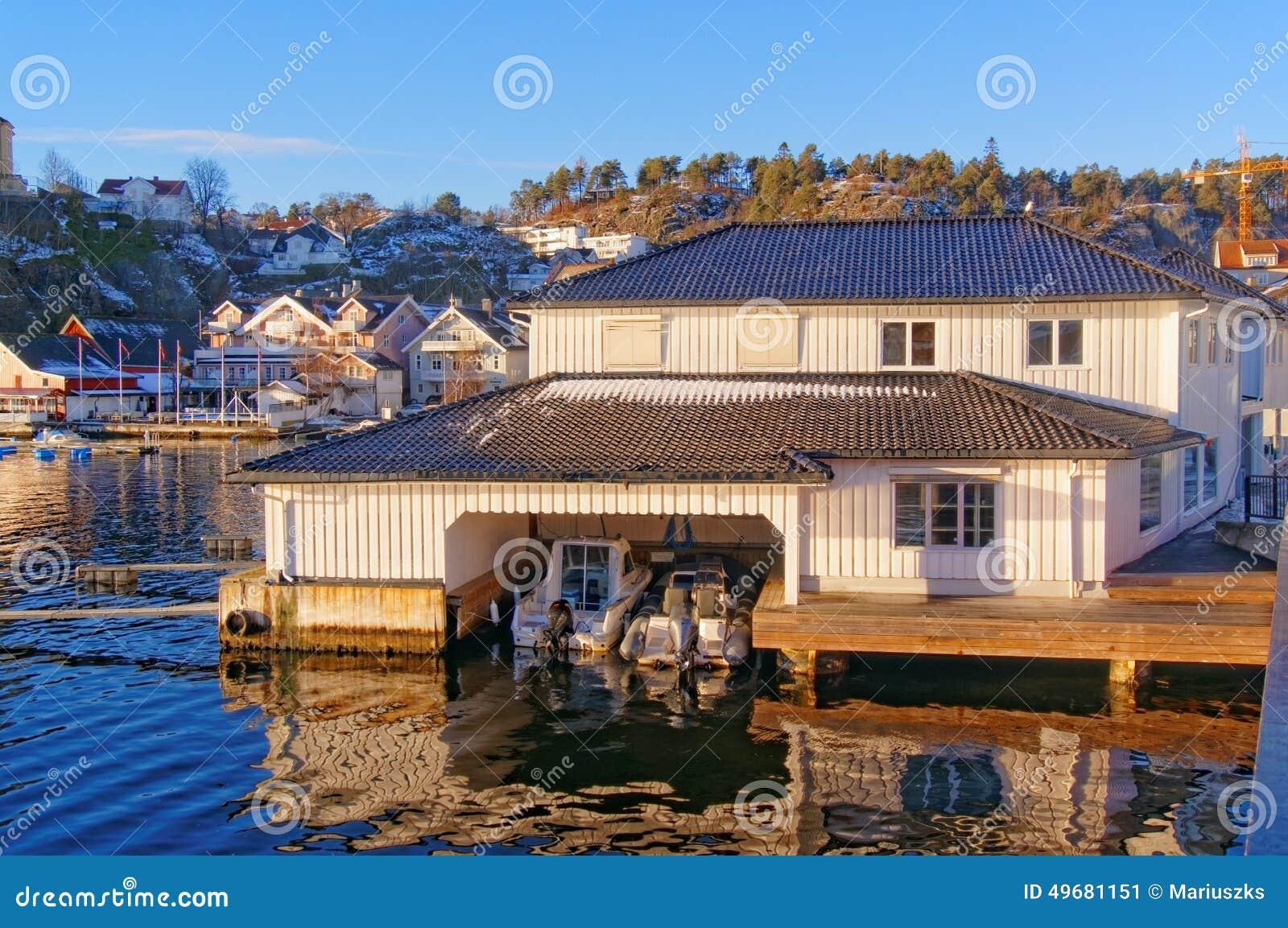 Ville prefabbricate in legno prezzi for Ville di legno di lusso