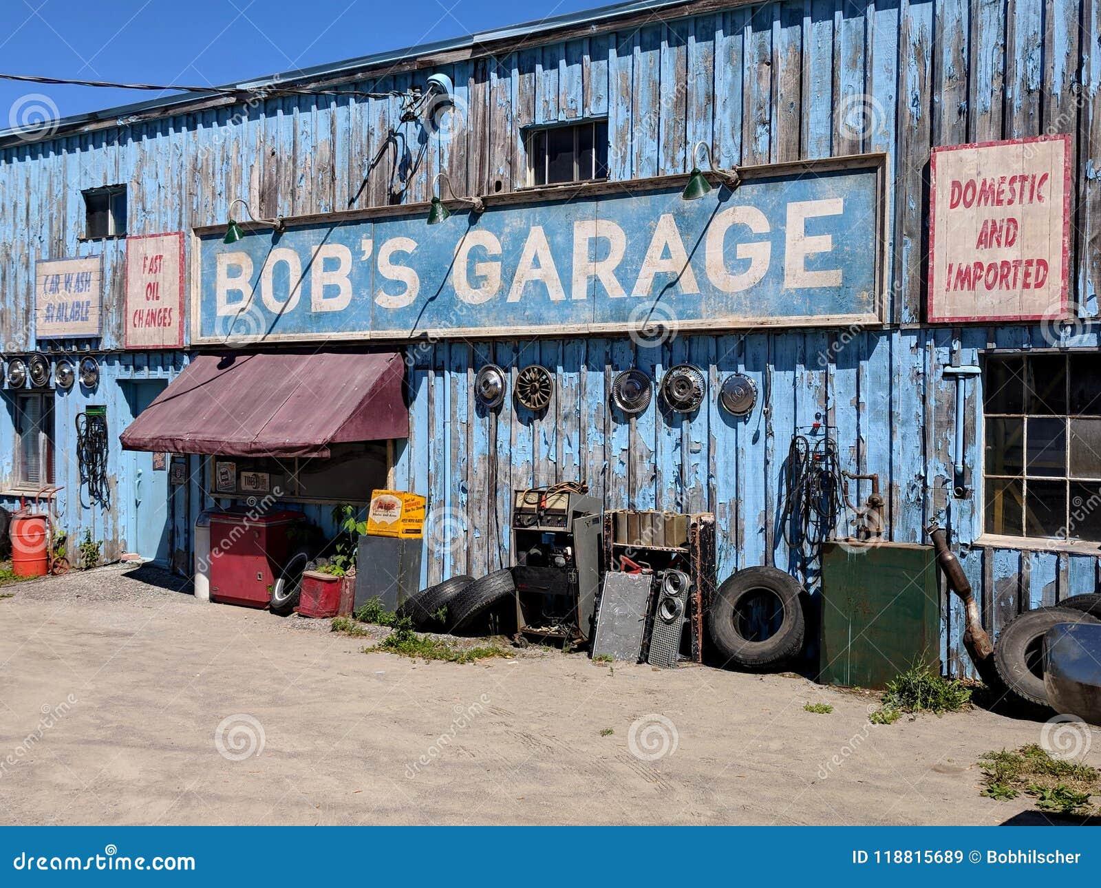Garage för egennamn` s som en uppdiktad TV auto-shoppar presenterat i liten vik för Schitt ` s