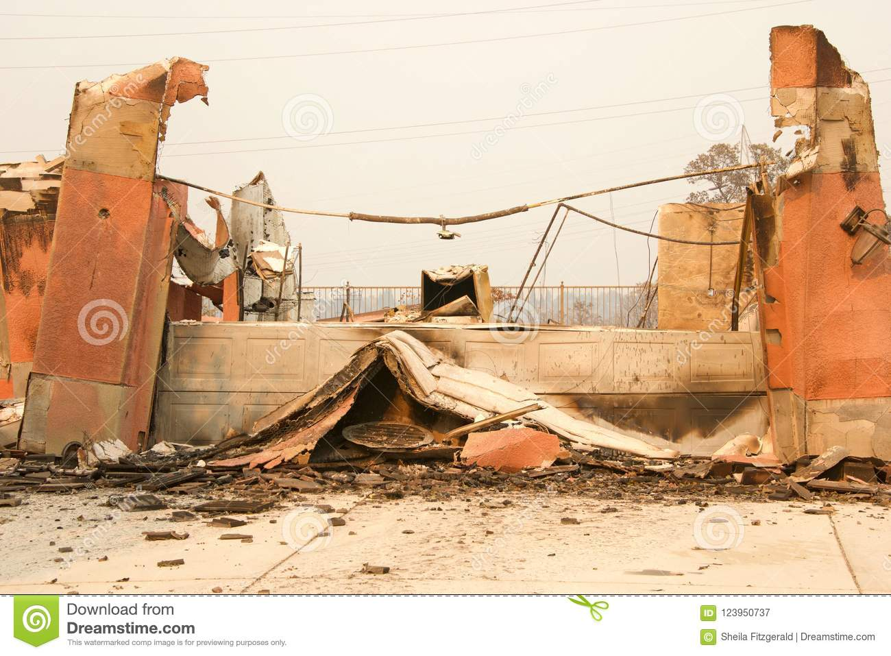 Garage Section Of House Burned In Carr Fire In Redding California Stock Image Image Of Burnt Building 123950737
