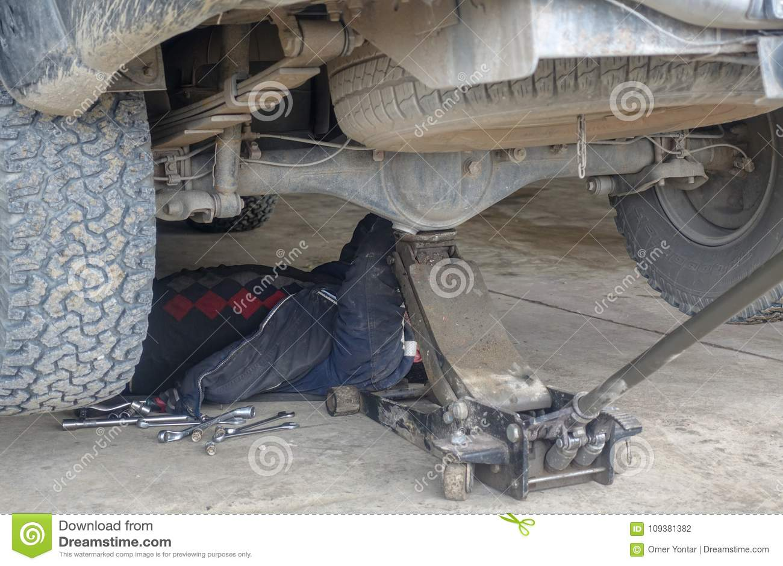 Garage und und Autoteile