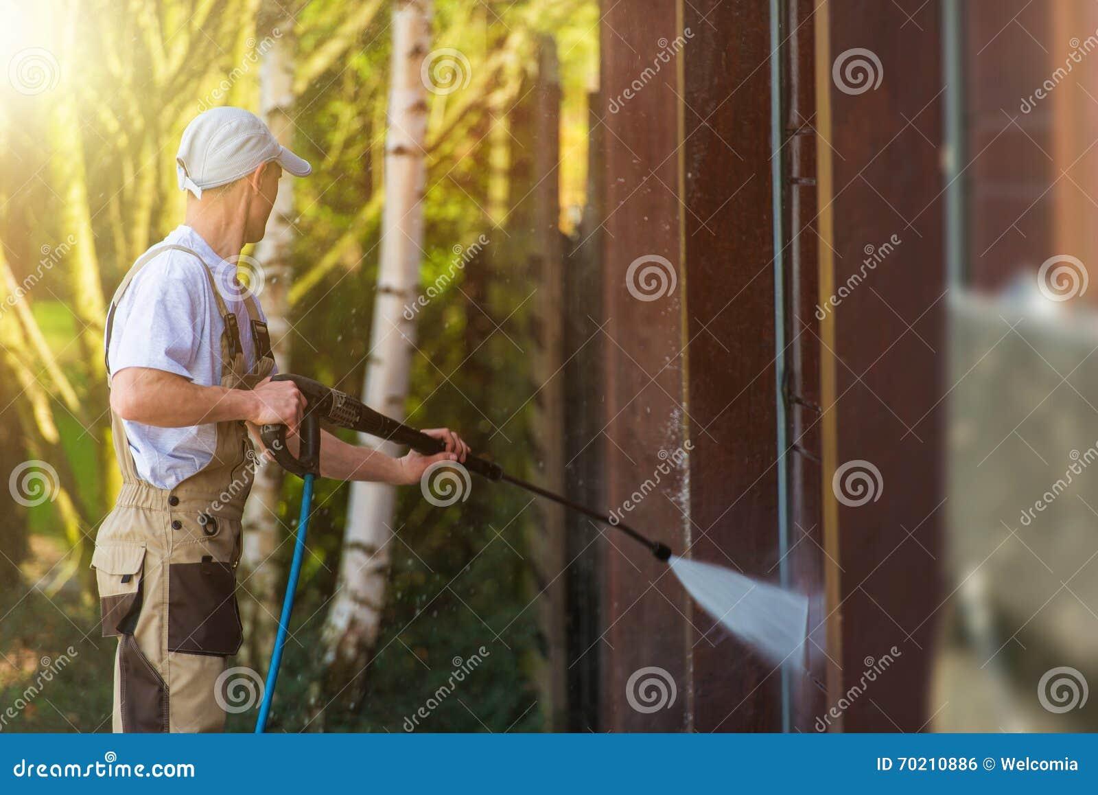 Garagen-Tor-Wasser-Reinigung