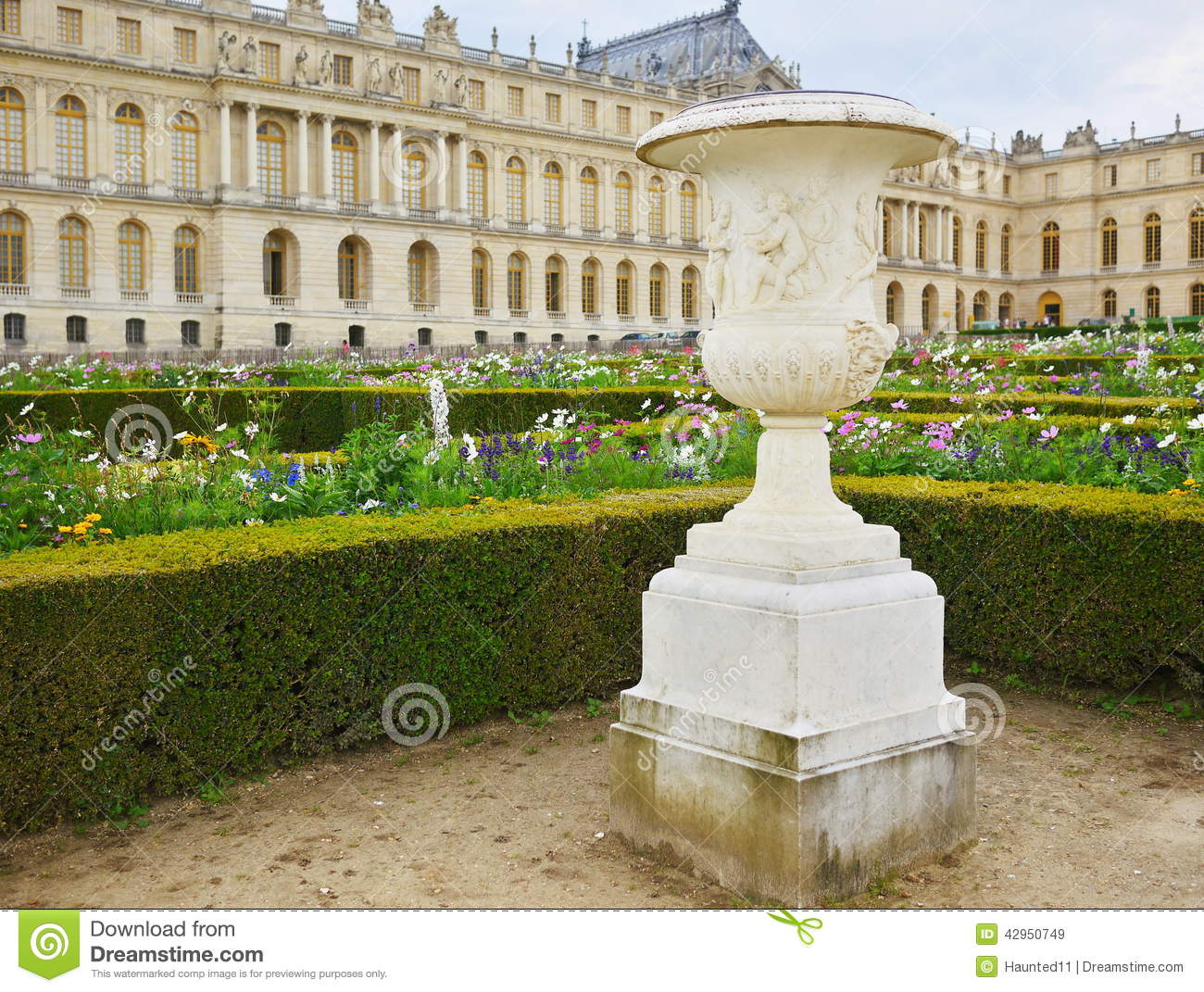 Garden chateau de versailles editorial stock image image for Garden design versailles