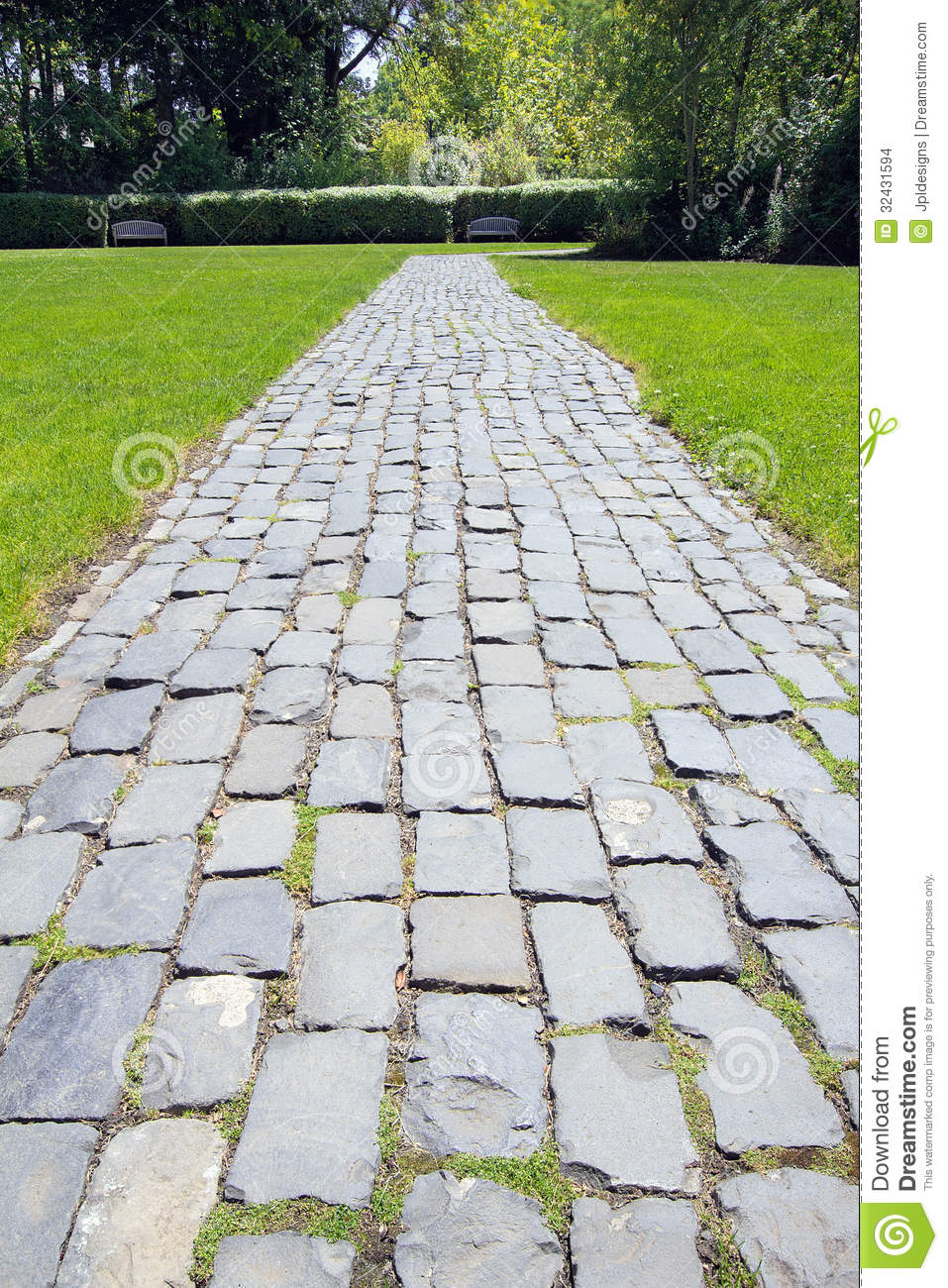 Garden Cobblestone Path Stock Images - Image: 32431594