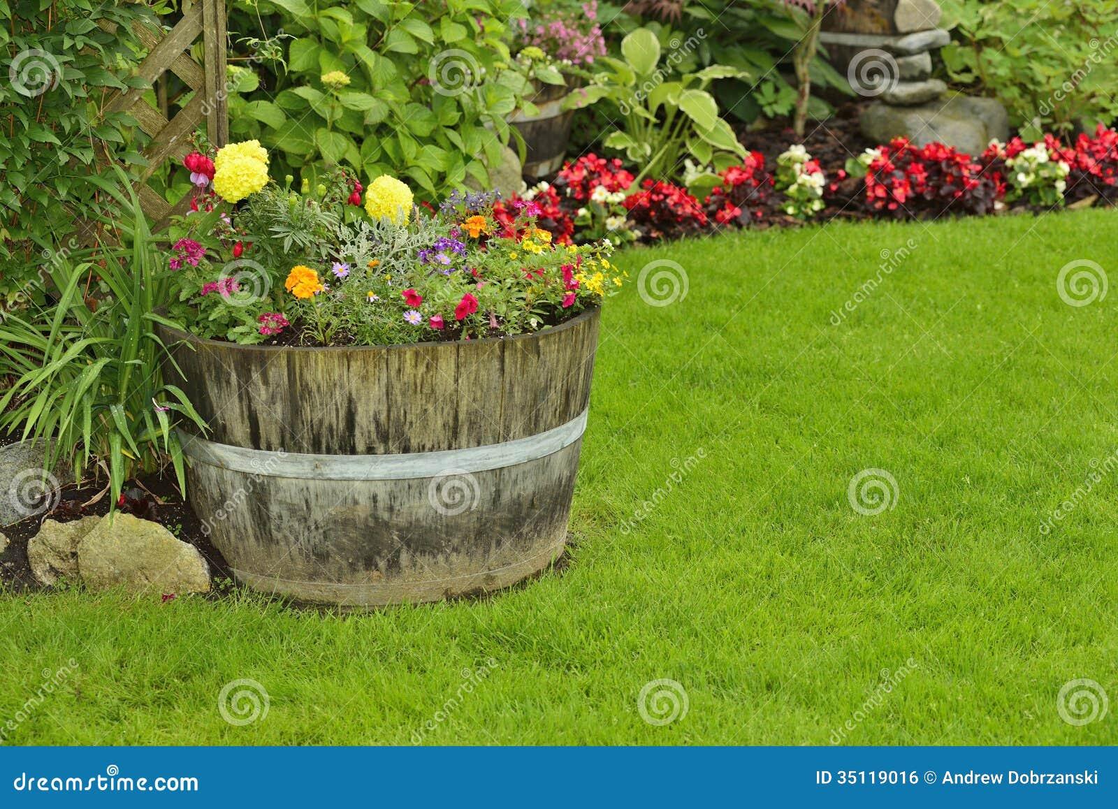 Garden flowers royalty free stock image image 35119016 for Garden arrangement of plants