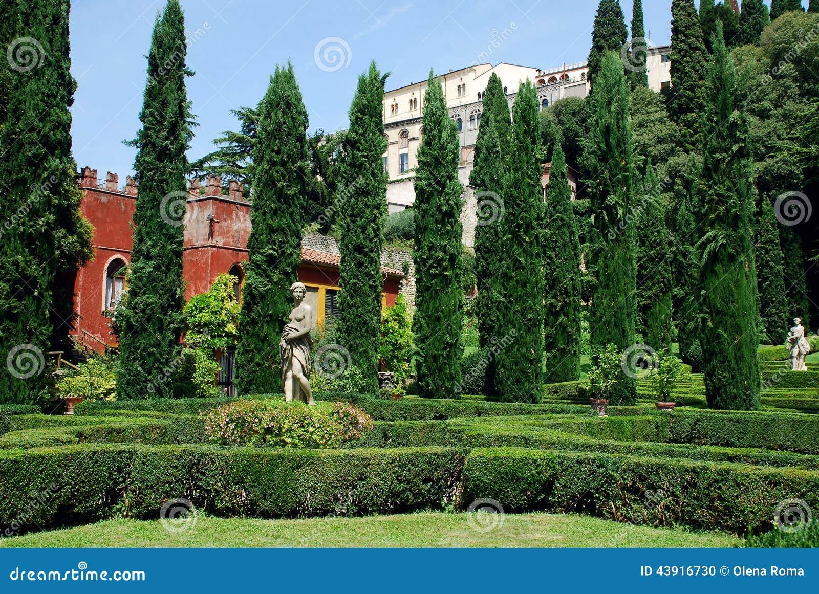 Garden Giardino Giusti, Verona, Italy Stock Photo - Image
